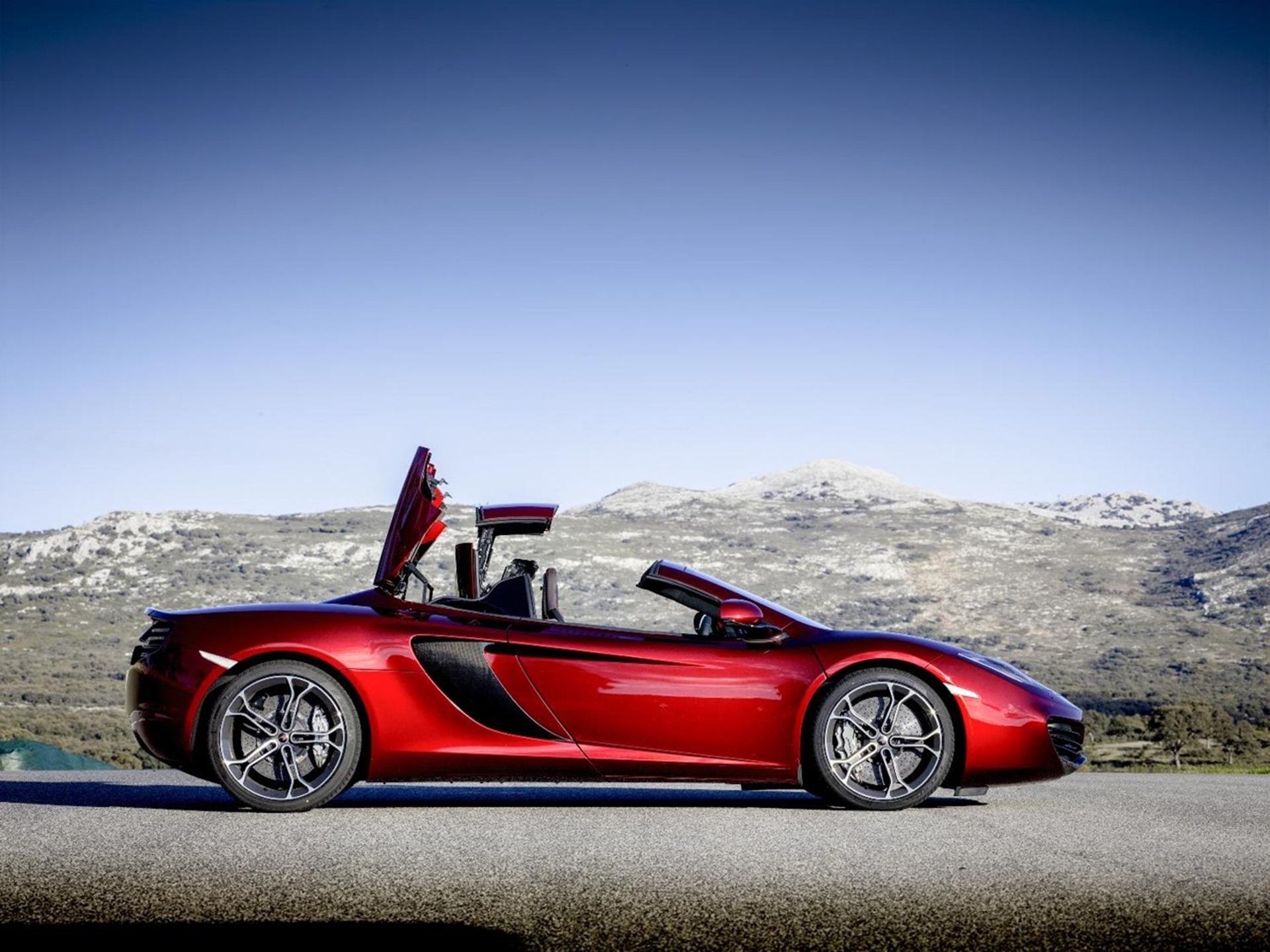 McLaren 12C Spider Top off