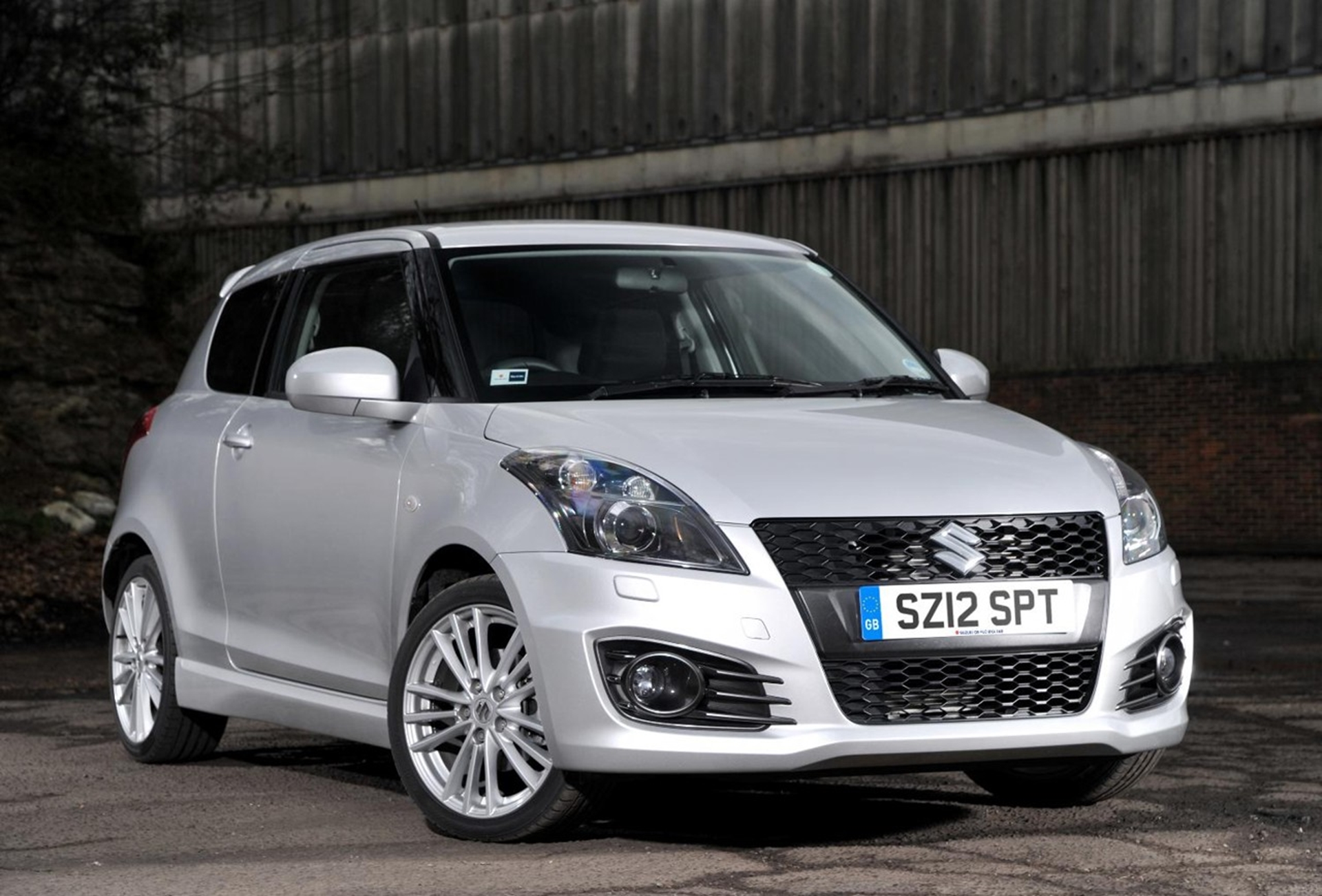 Following On From The Award Presented To Suzuki From Carbuyer.co.uk As The  U0027Best Hot Hatchback For 2012u0027, Suzuki Is Pleased To Announce That The Swift  Sport ...