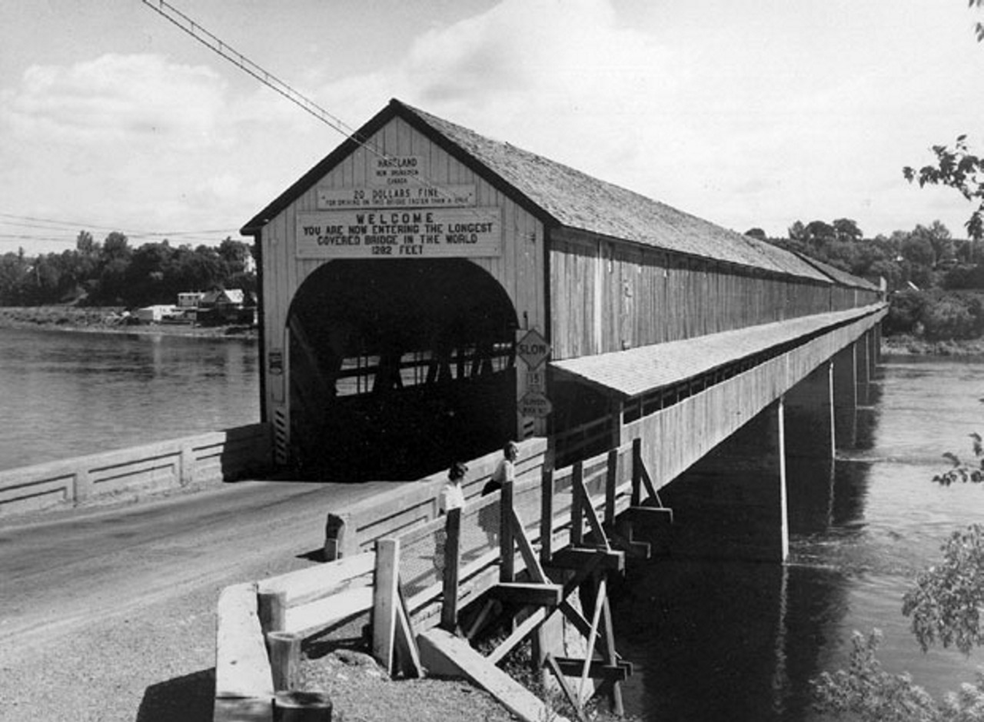 hartland covered- bridge