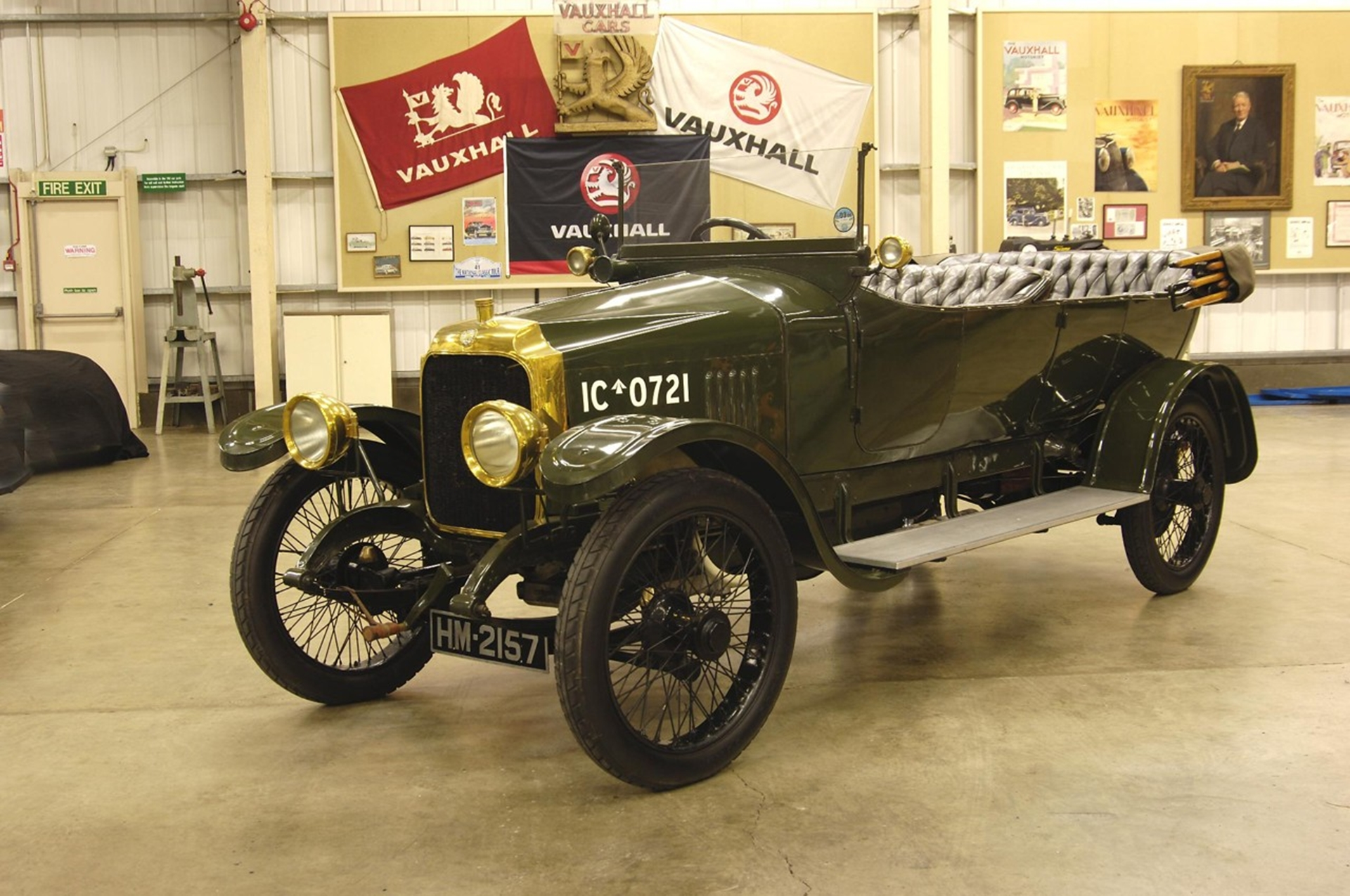 1918 Vauxhall D-Type Army Staff Car