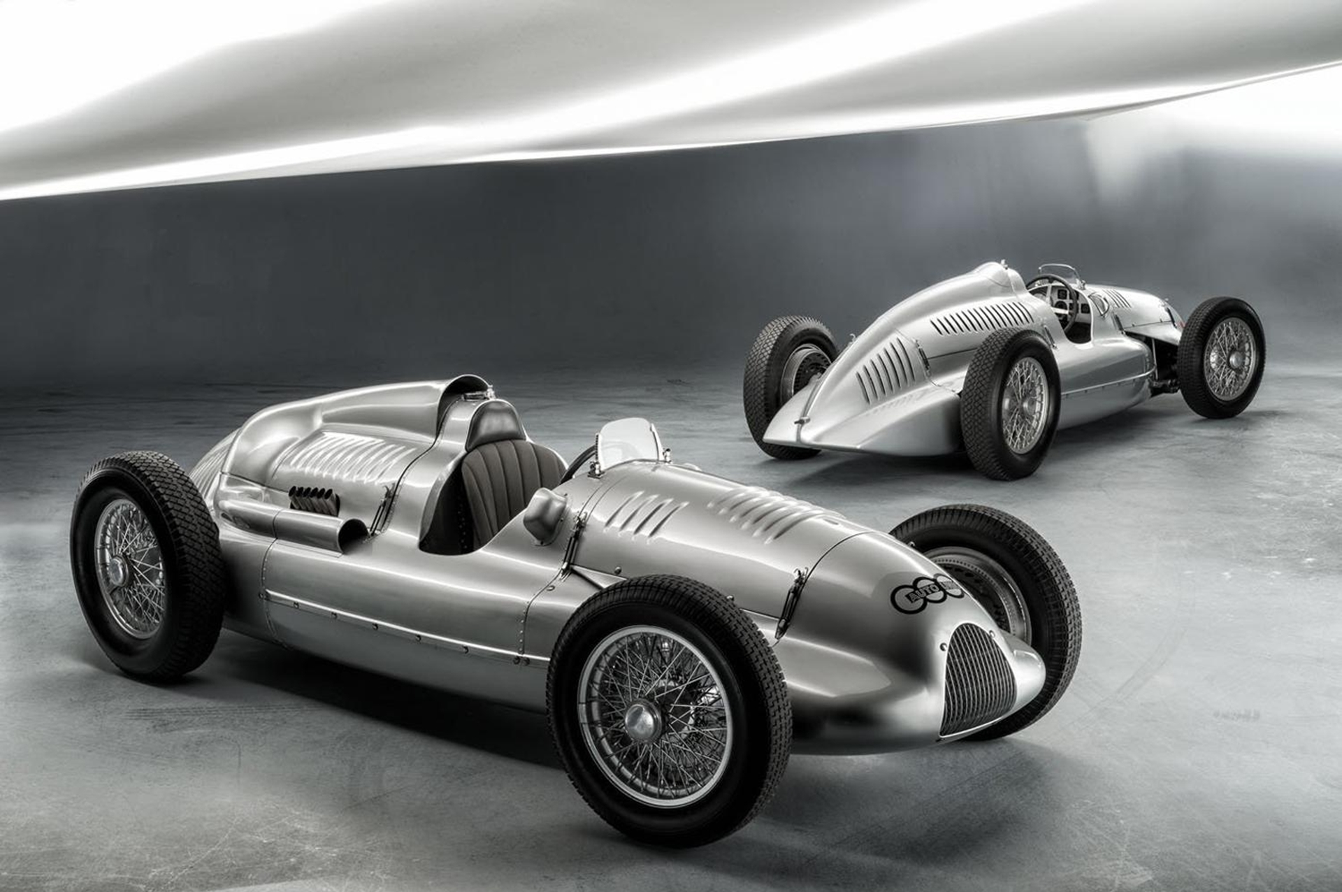 Auto Union Type D Twin-Supercharger Racing Car 2012