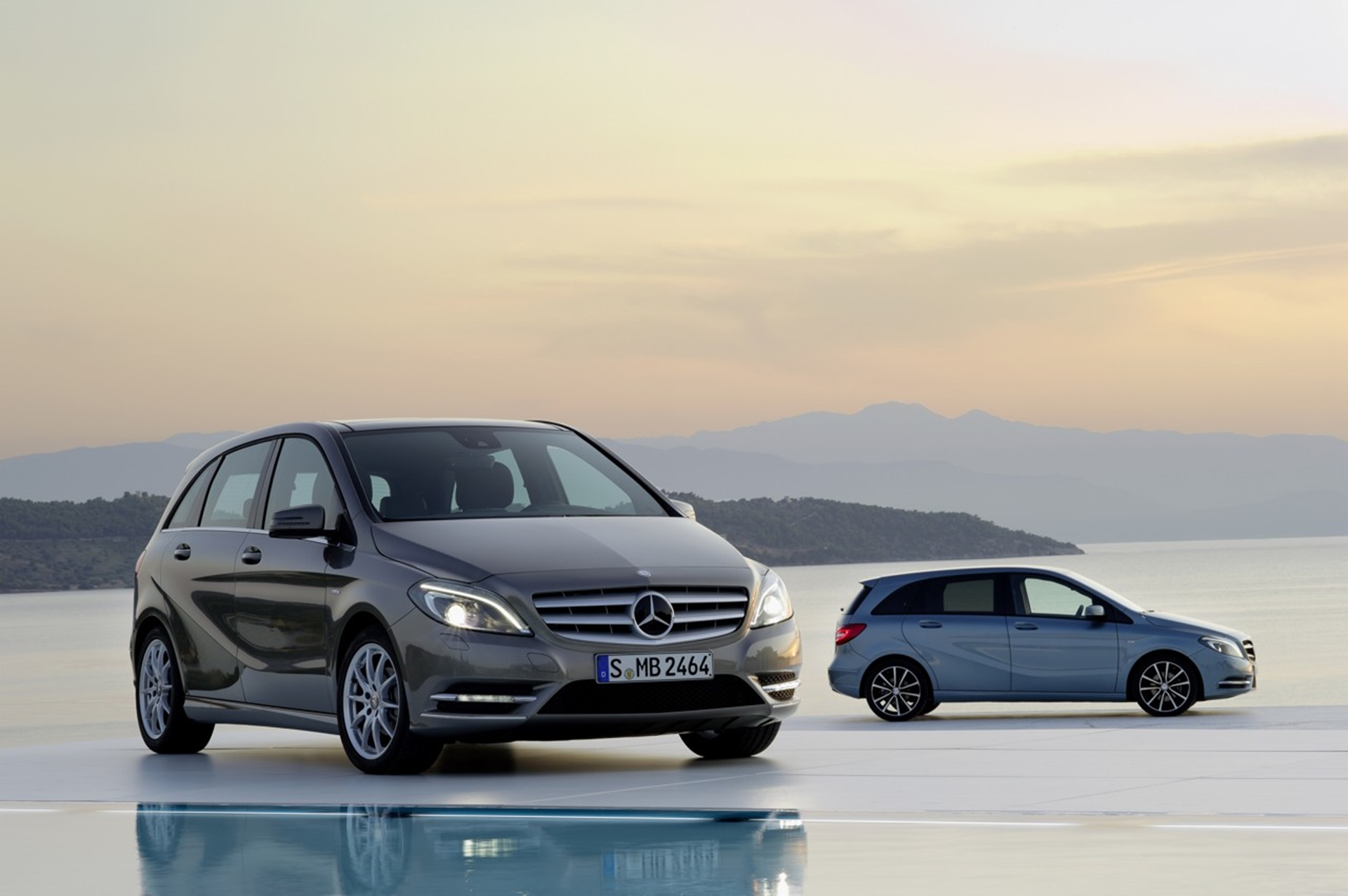 Mercedes-Benz B-Class Spesifications