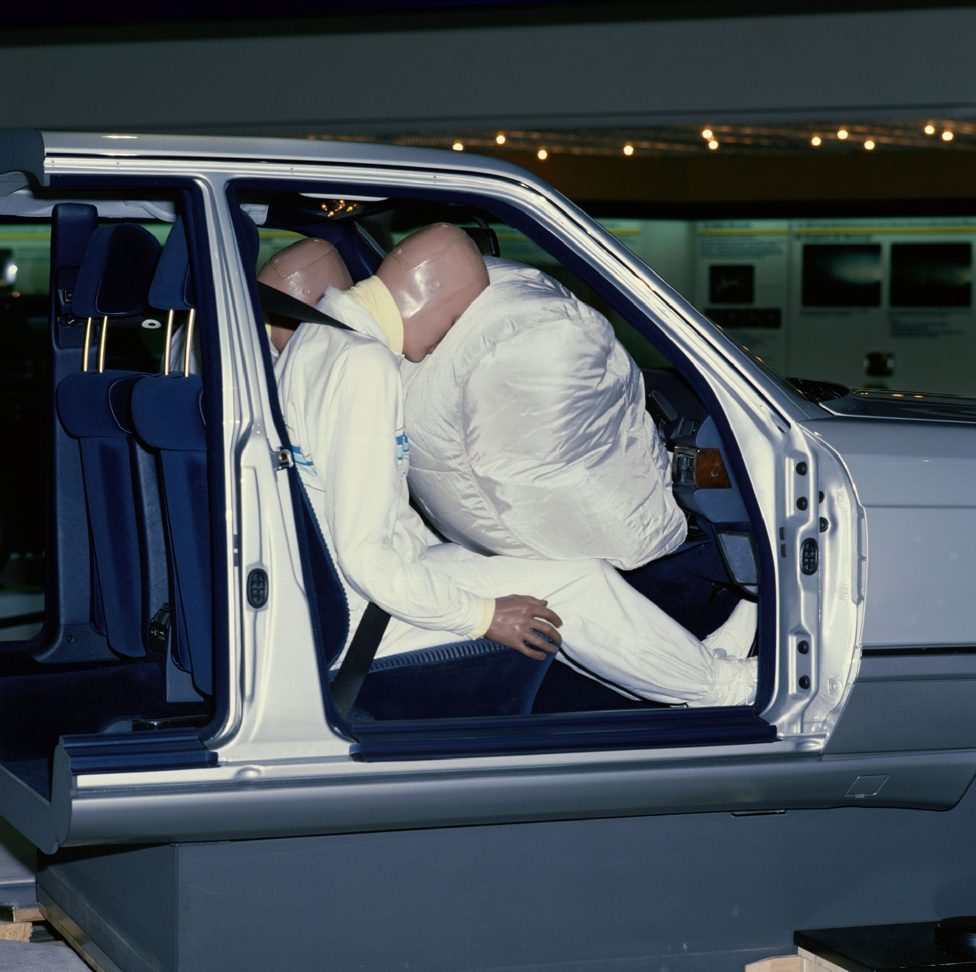 Mercedes-Benz airbags