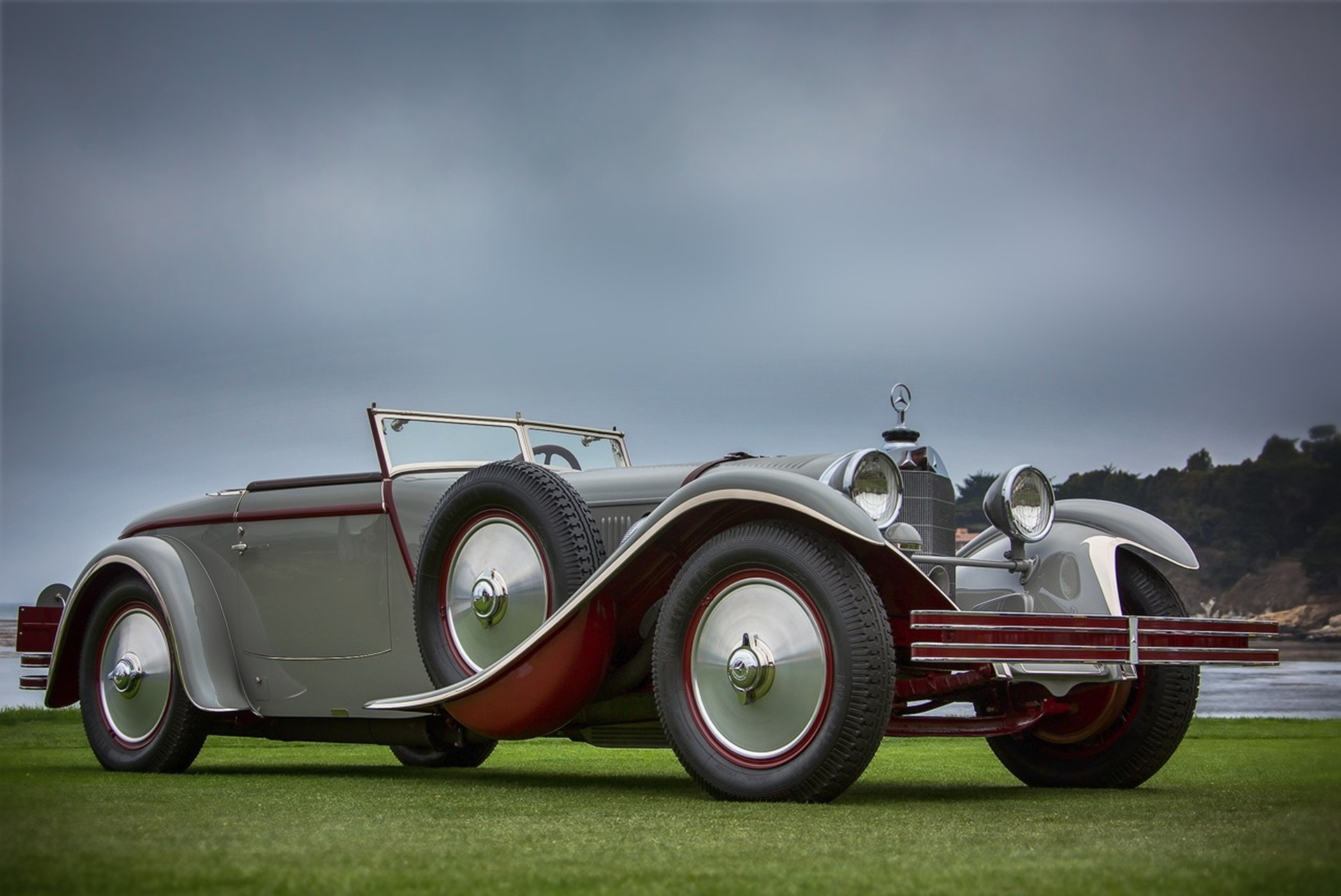 Mercedes benz wins best of show title at the 2012 pebble - Mercedes car show ...