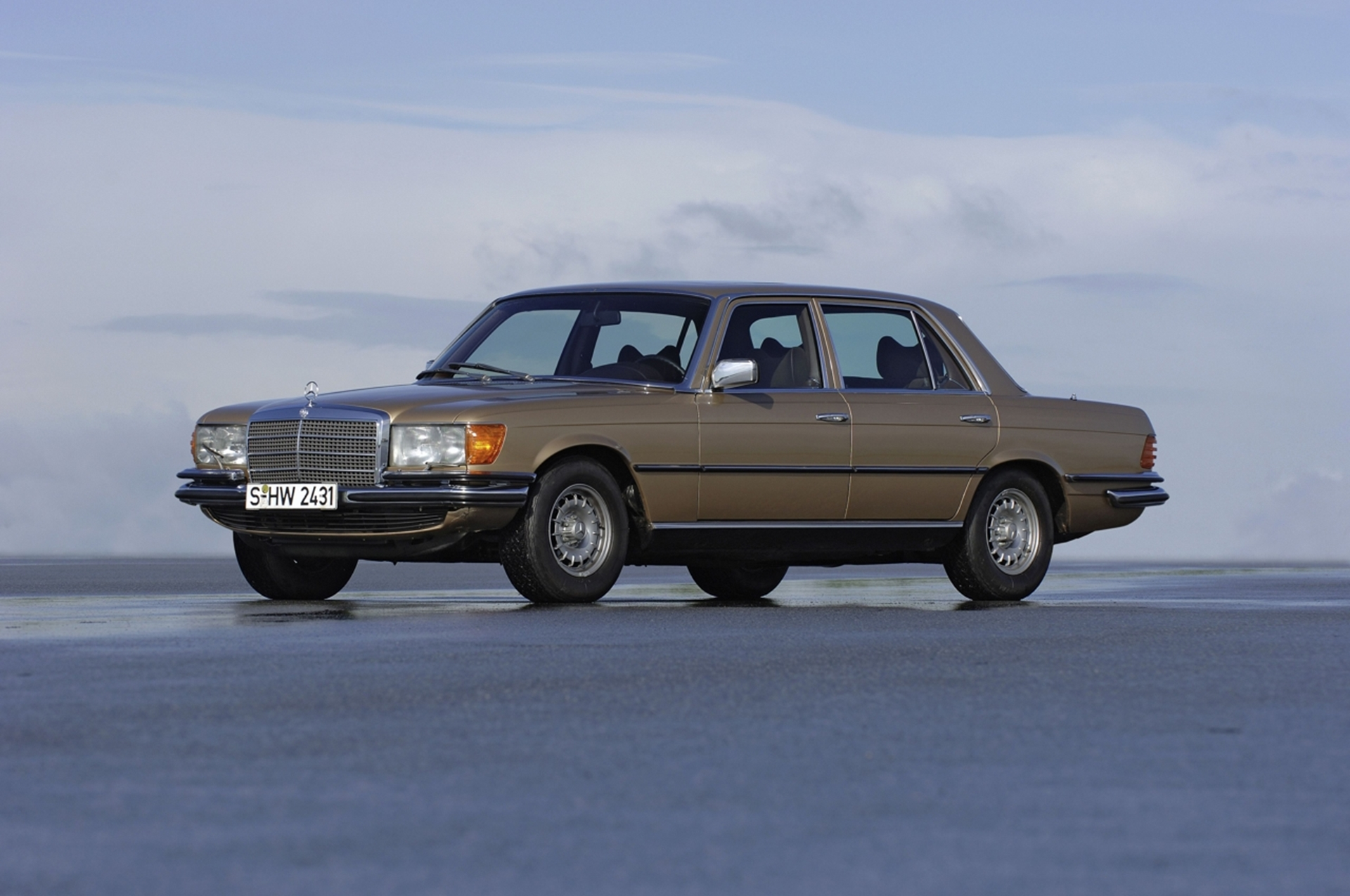 mercedes benz 40 years model series 116 luxury class in top form. Cars Review. Best American Auto & Cars Review