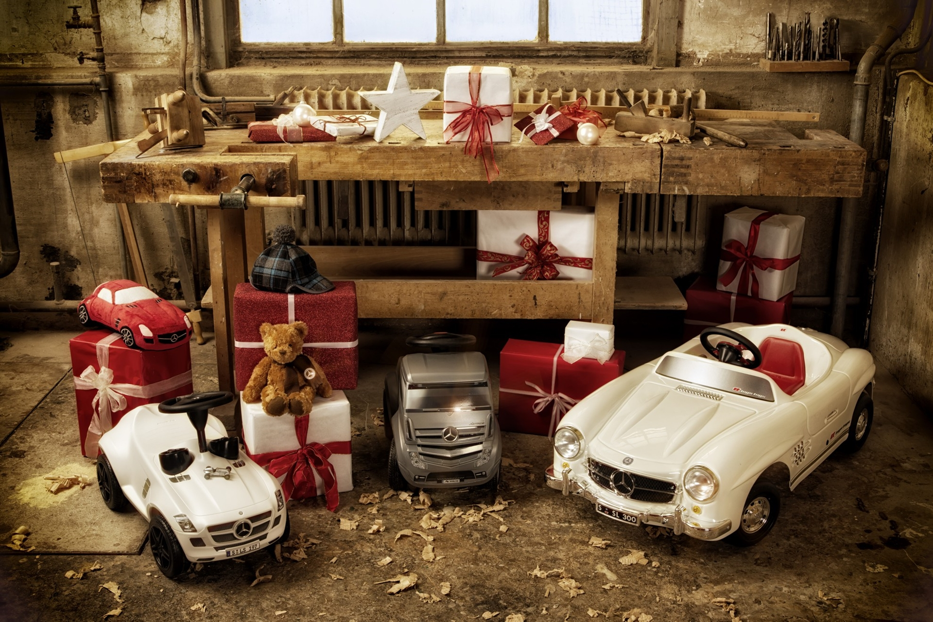 Christmas Gifts Mercedes-Benz