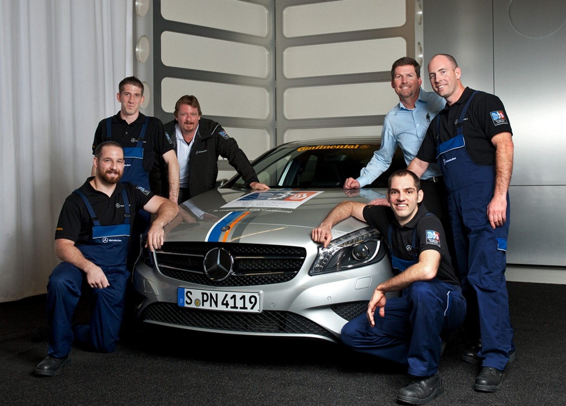 Mercedes benz world championship in passanger car after sales for Mercedes benz road side assistance