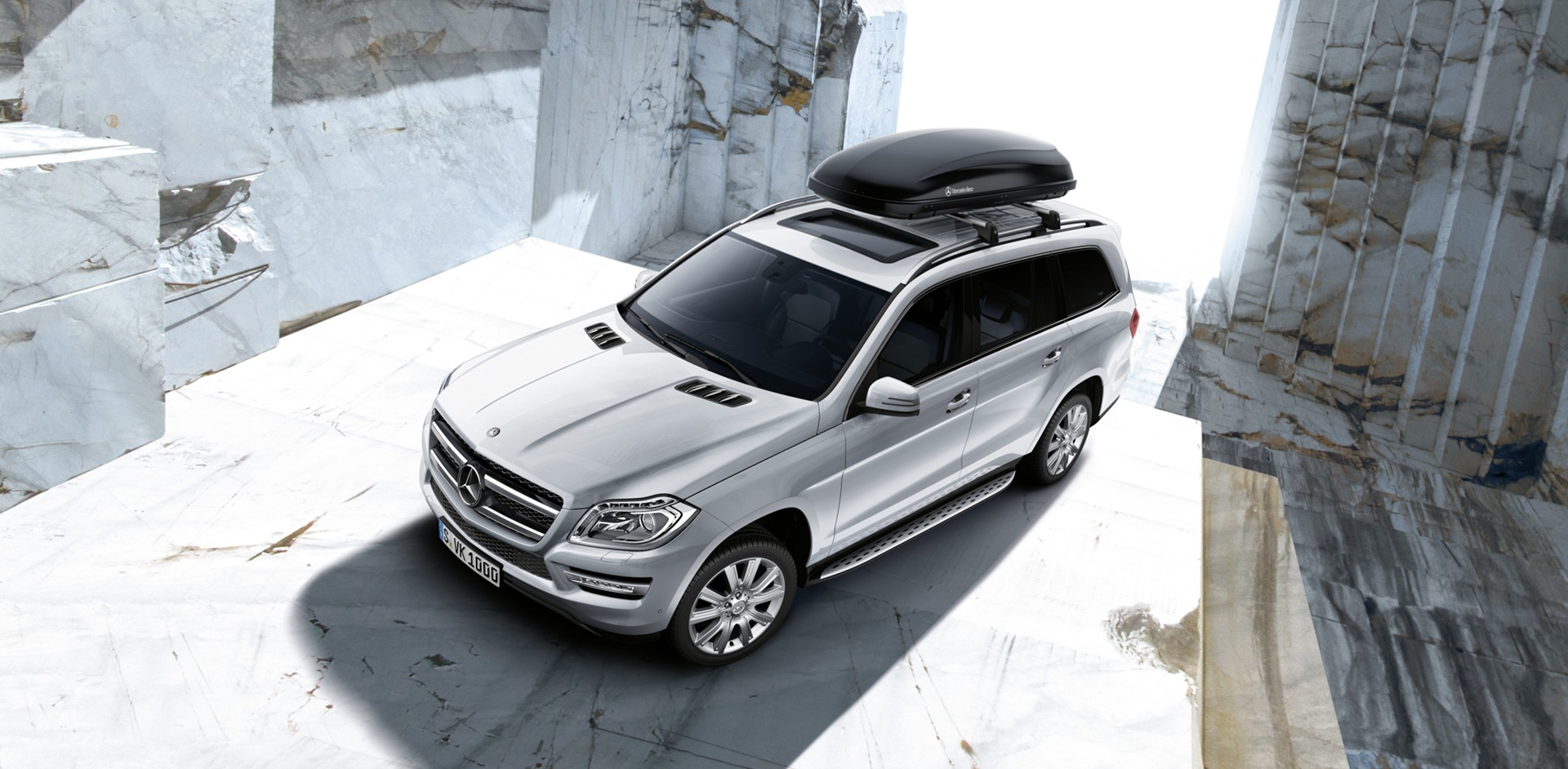 Genuine accessories for the new mercedes benz gl class for Mercedes benz acc