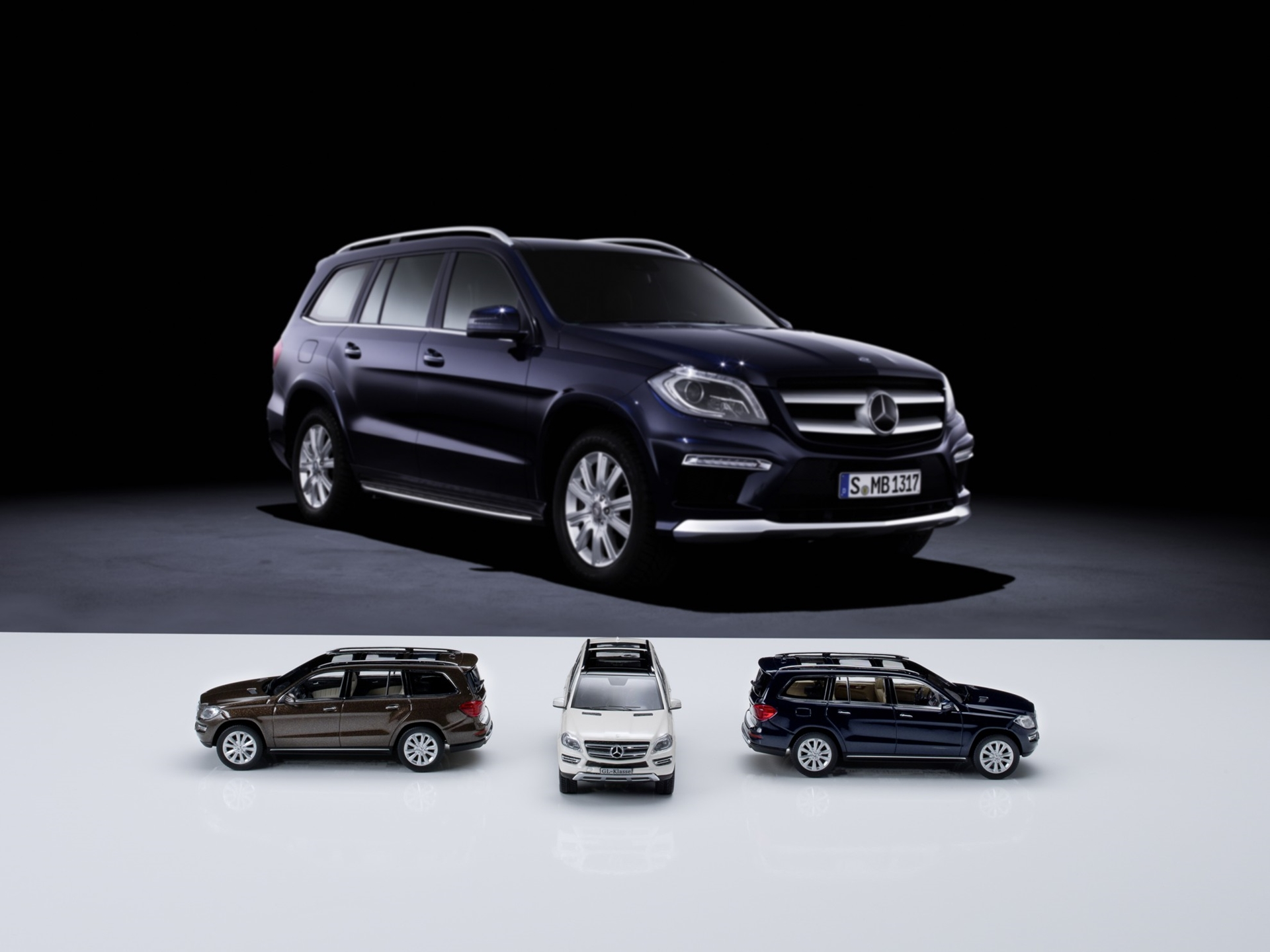 3d car shows mercedes benz gl class car models for Mercedes benz toy car models