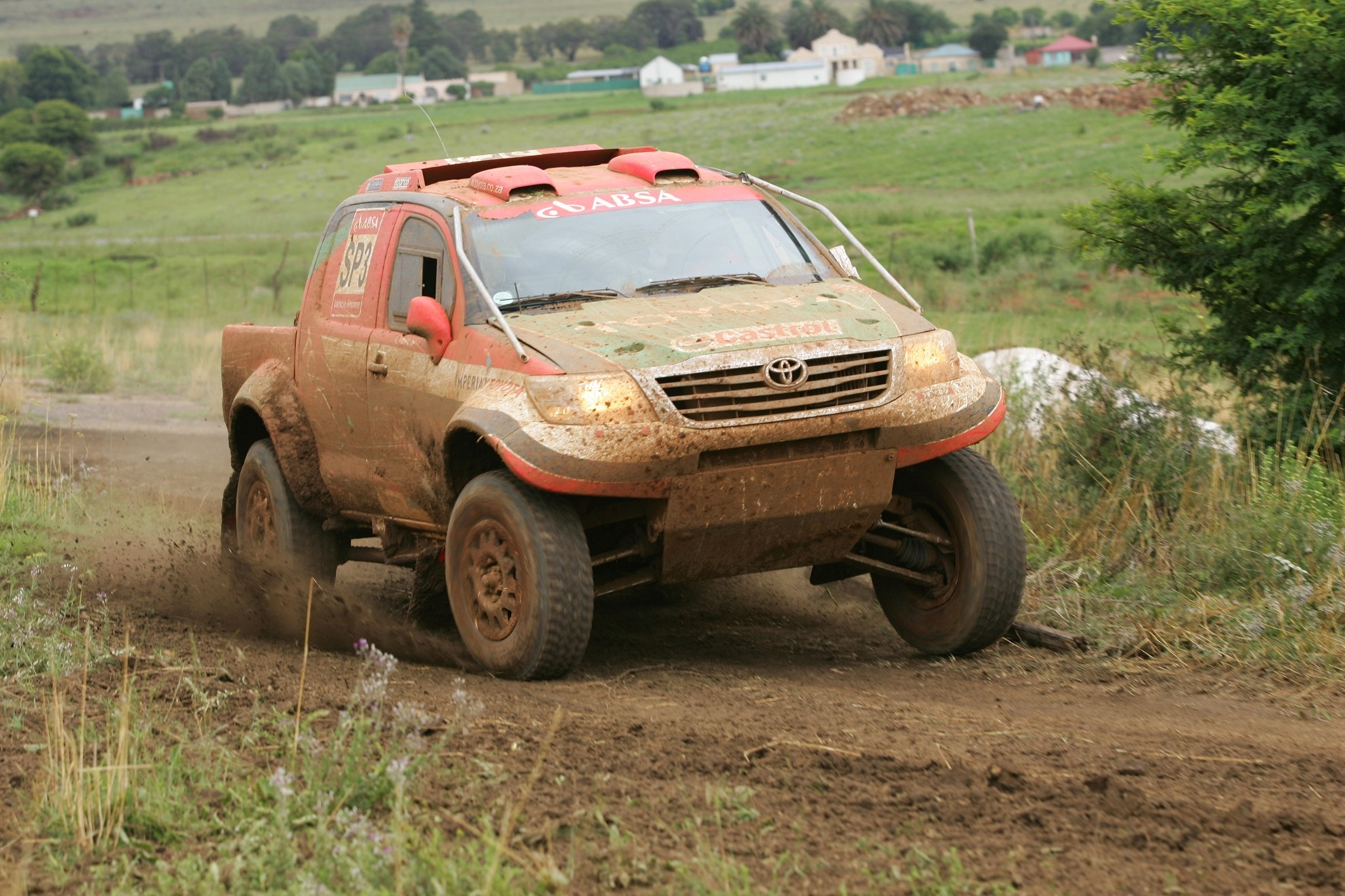 Racing Toyota Hilux