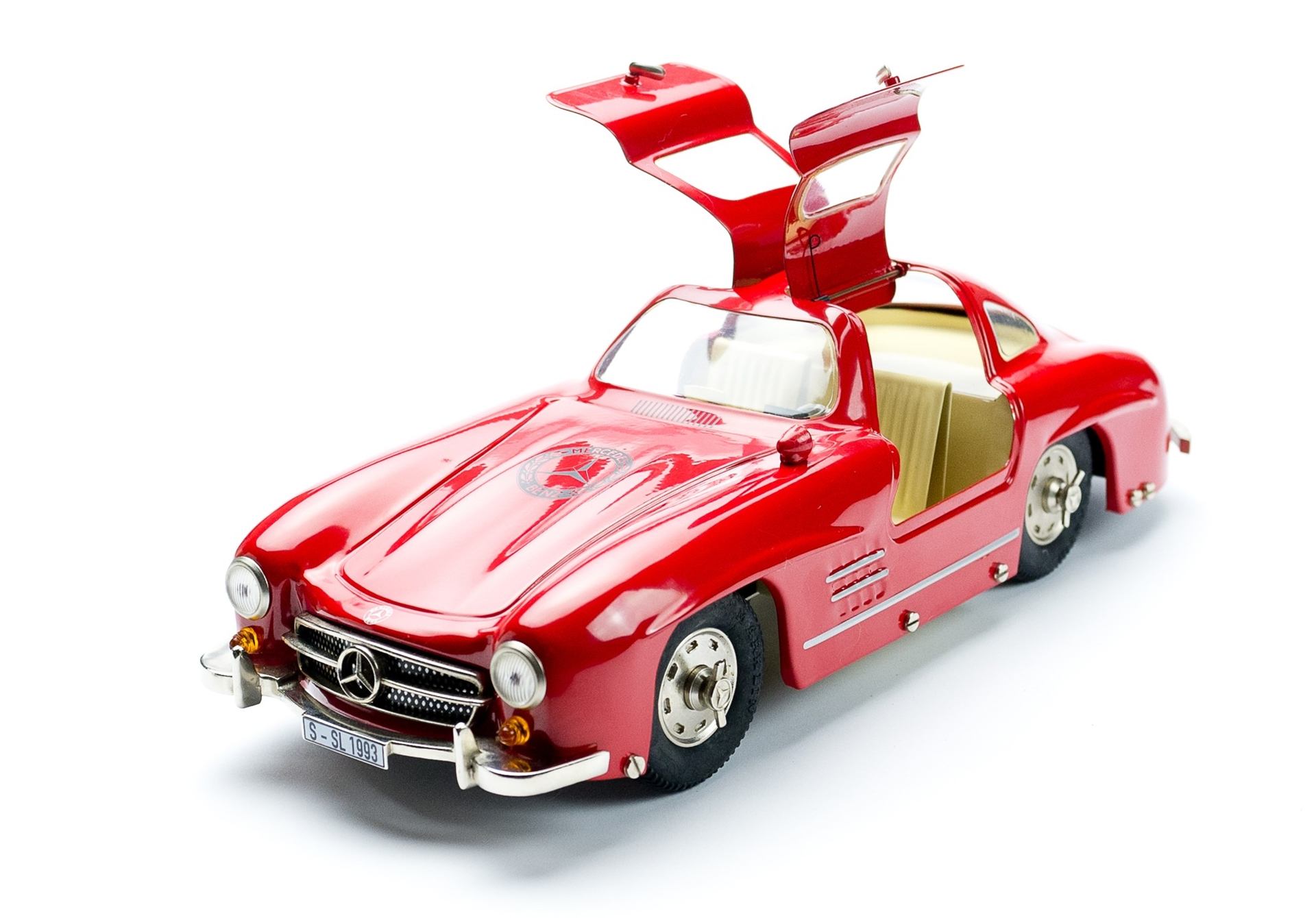 Mercedes benz mini toy model cars for Mercedes benz toy car models