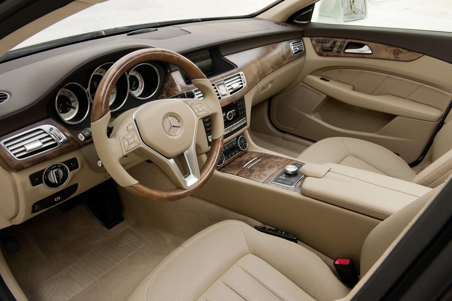 Mercedes Benz Cls Shooting Brake The Interior