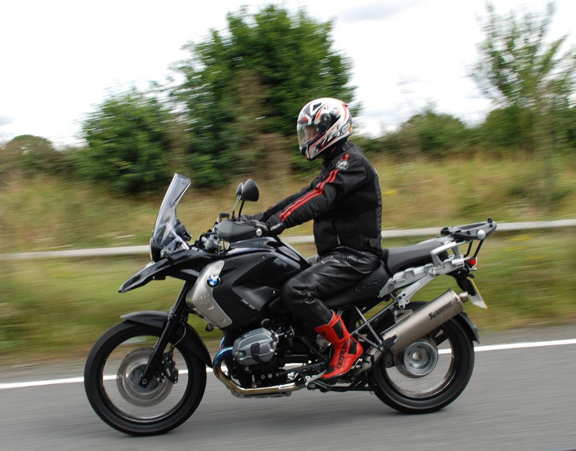 Triplemoto s uk bike rental pulls into the fast lane Motor cycle rentals