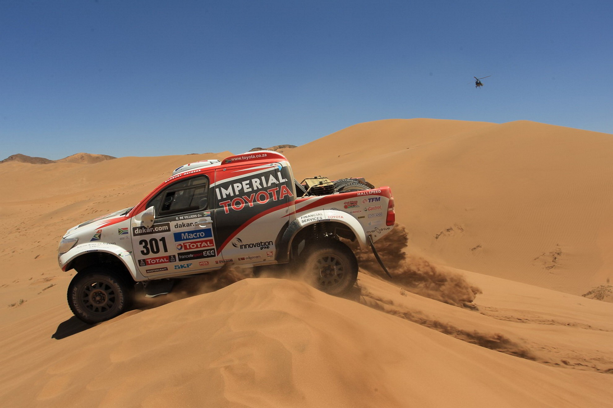 Toyota Hilux Dunes South America