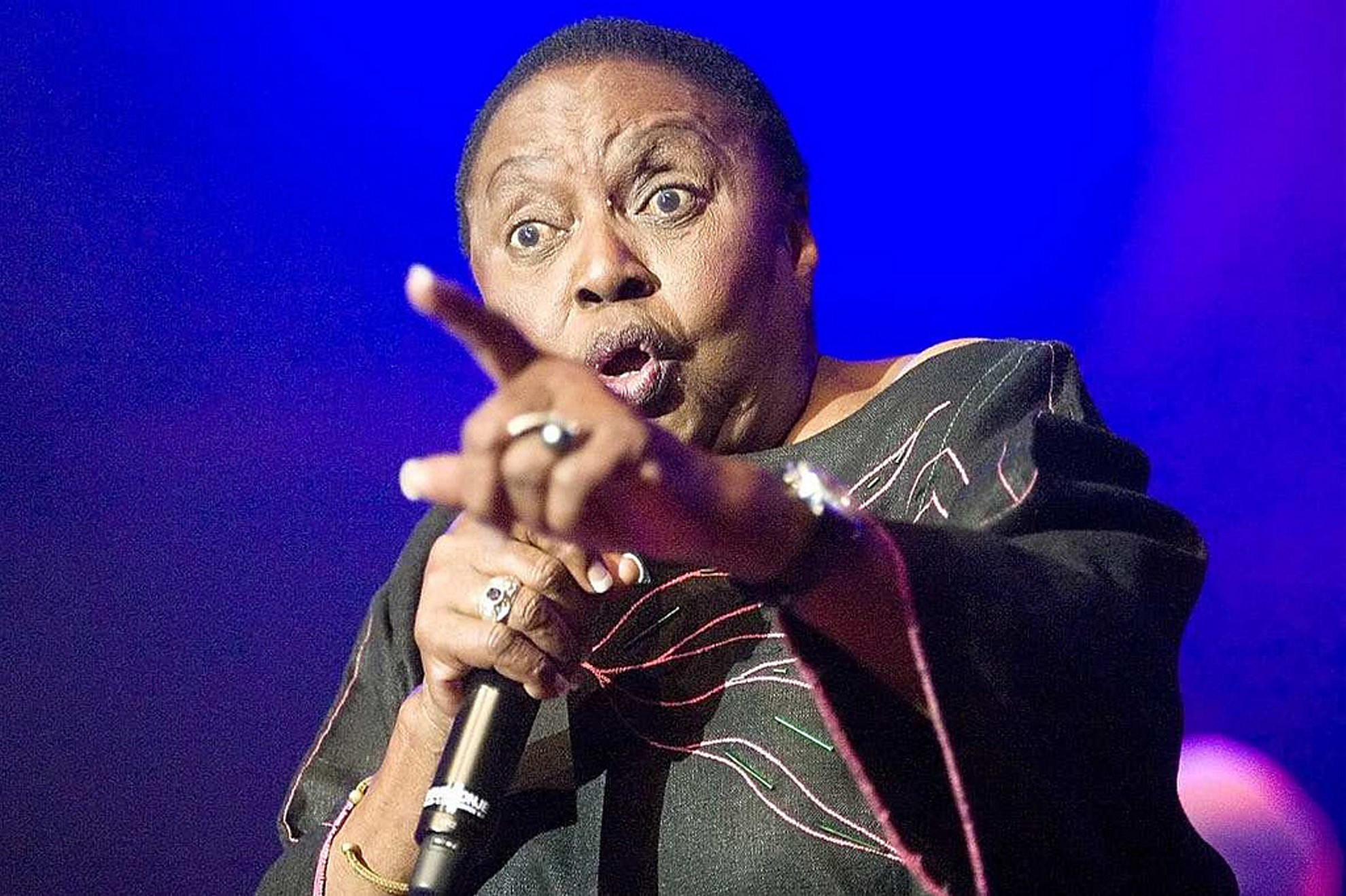 Miriam Makeba click song
