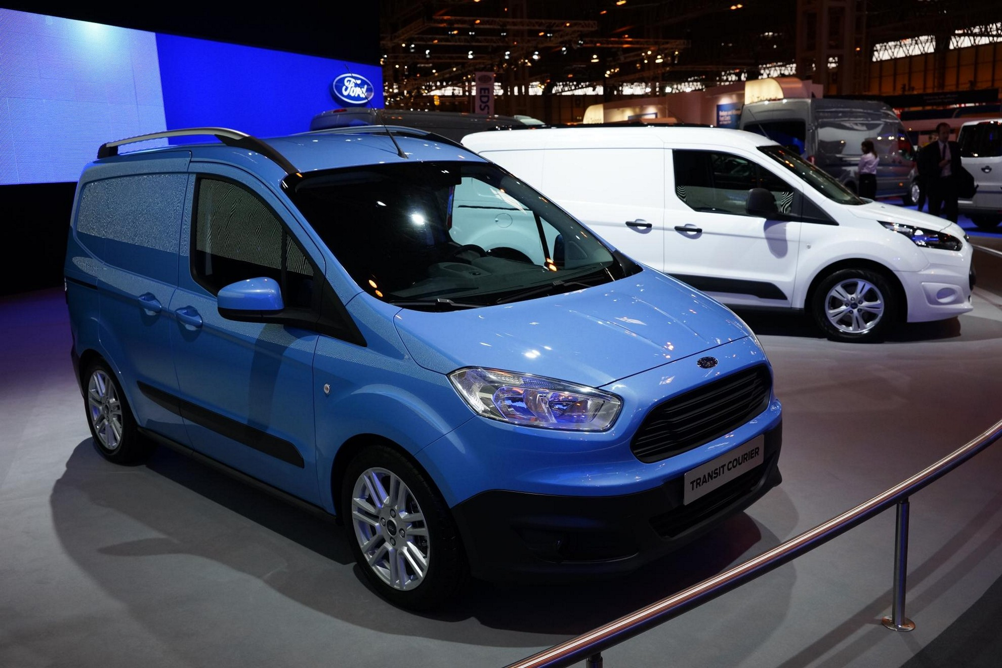 2014 ford transit 2013 detroit auto show motor trend autos post. Black Bedroom Furniture Sets. Home Design Ideas