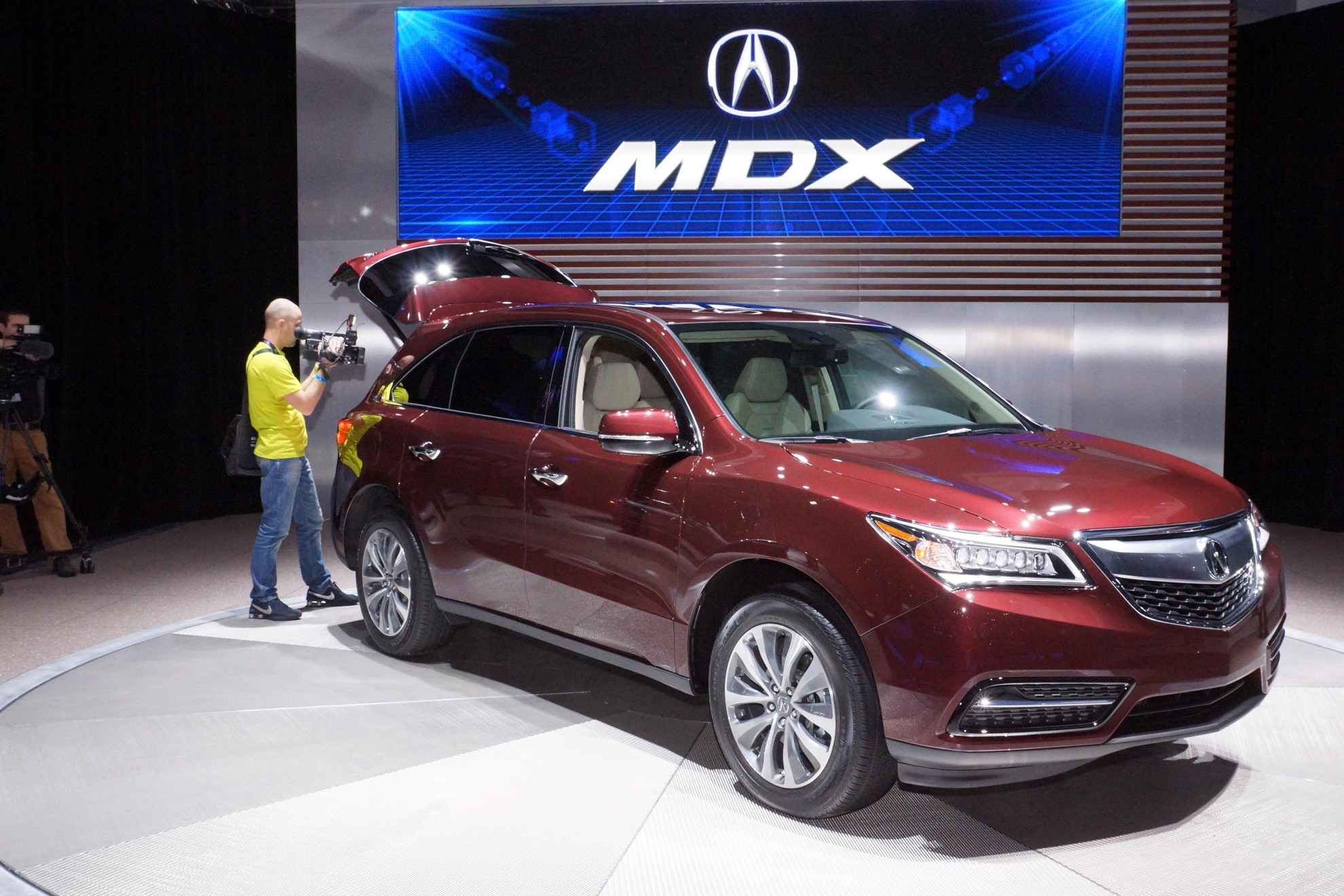 New York Auto Show 2013 the new Acura MDX