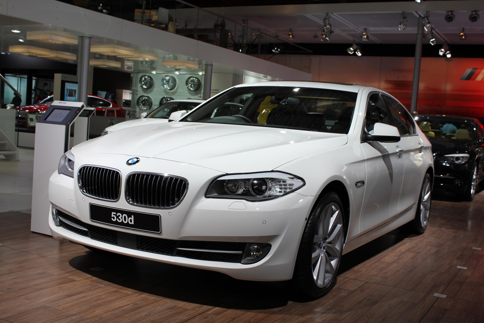 bmw 530d 2014 white images galleries with a bite. Black Bedroom Furniture Sets. Home Design Ideas