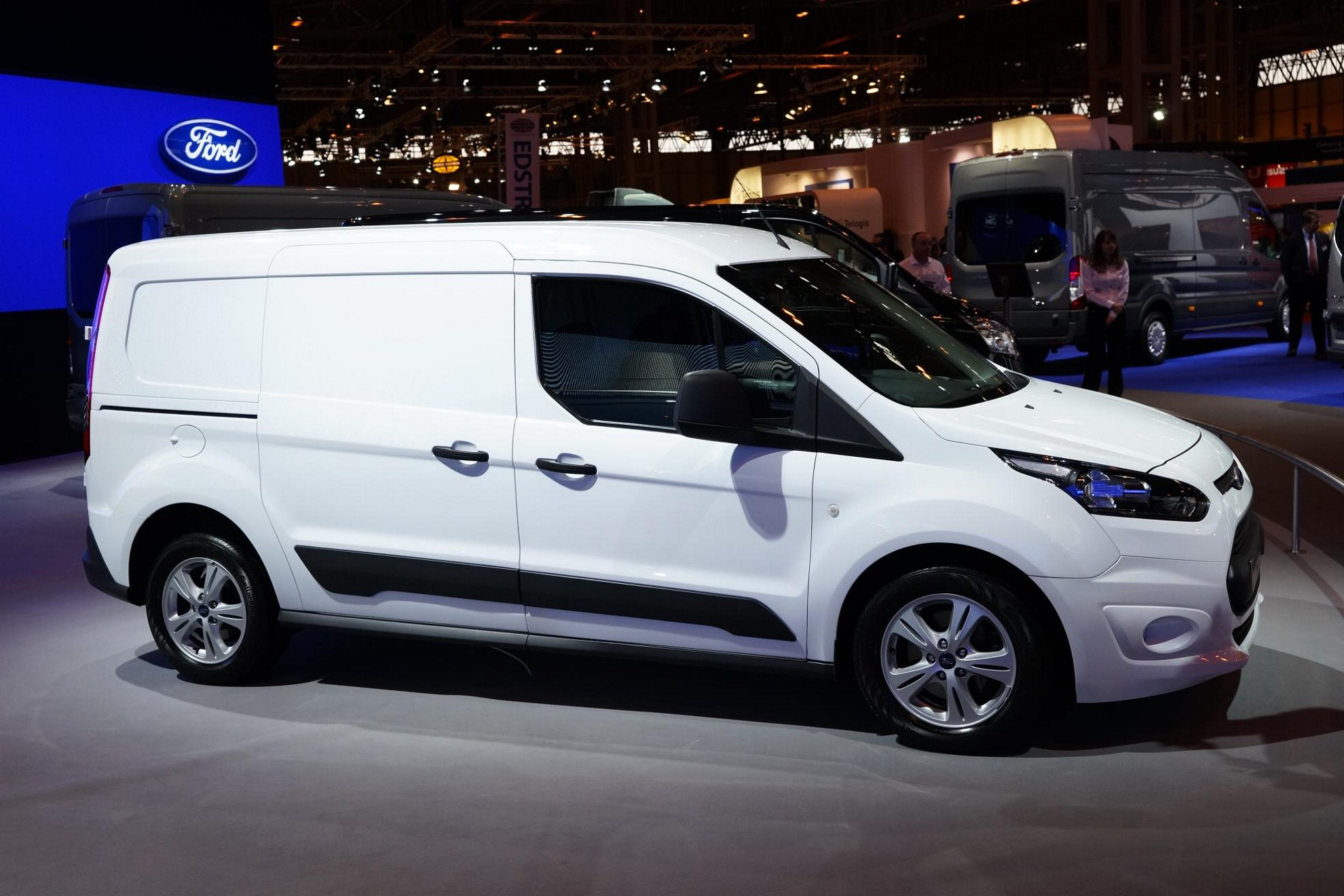Used Ford Transit Connect >> Images: Ford Commercial Vehicle Auto Show