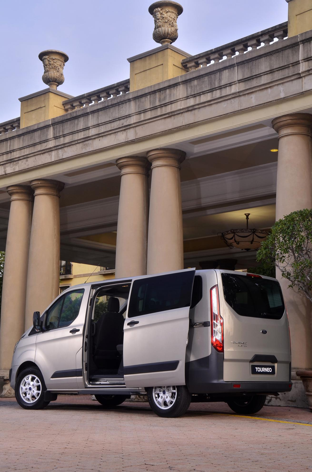 Ford Tourneo Hotel Transport