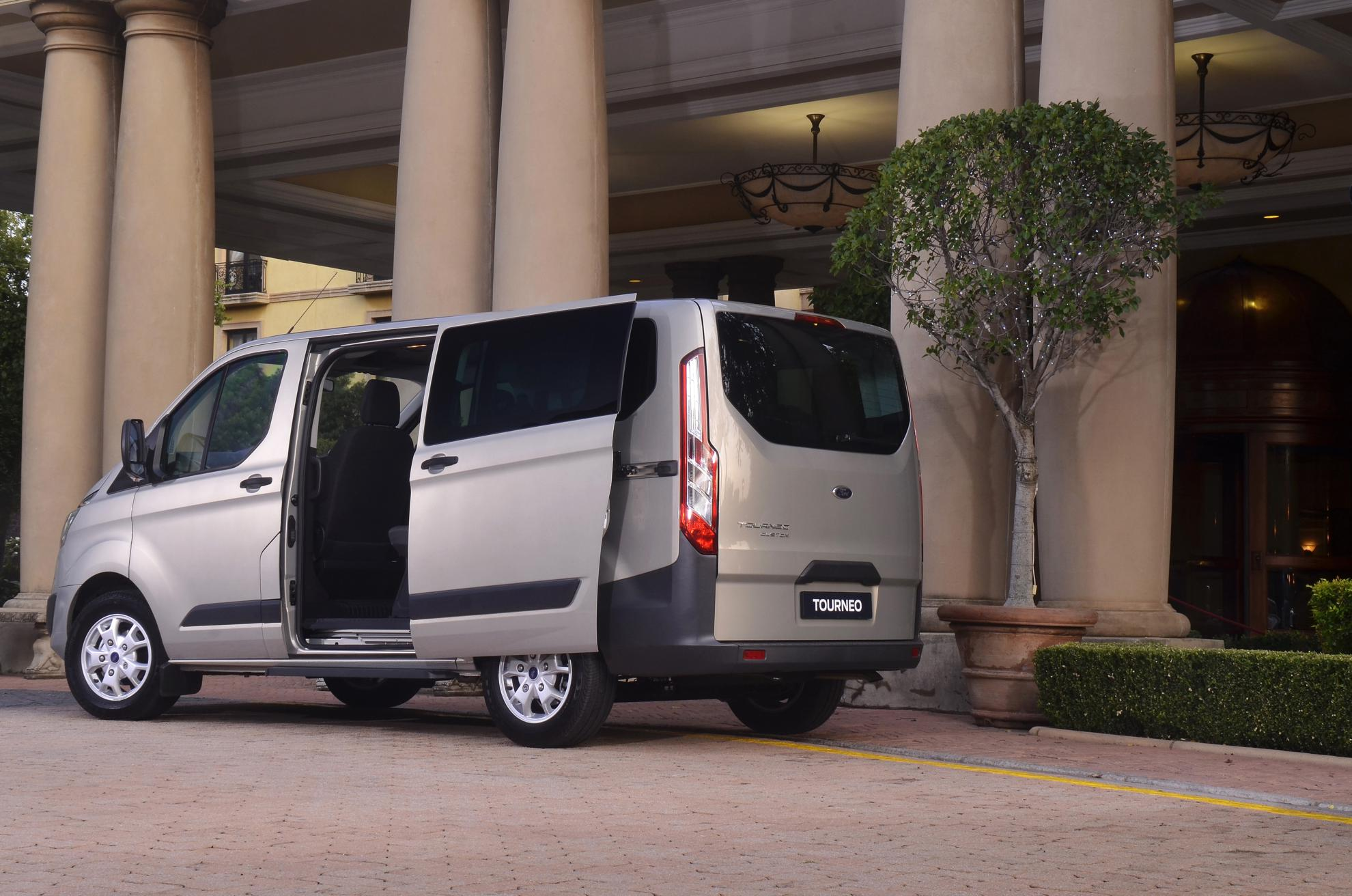 Ford Tourneo 2013 Hotel Transport