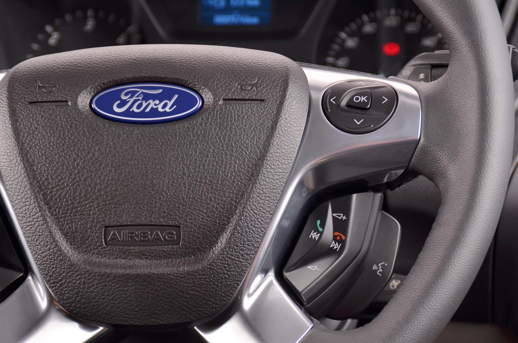Ford Tourneo 2013 Steering