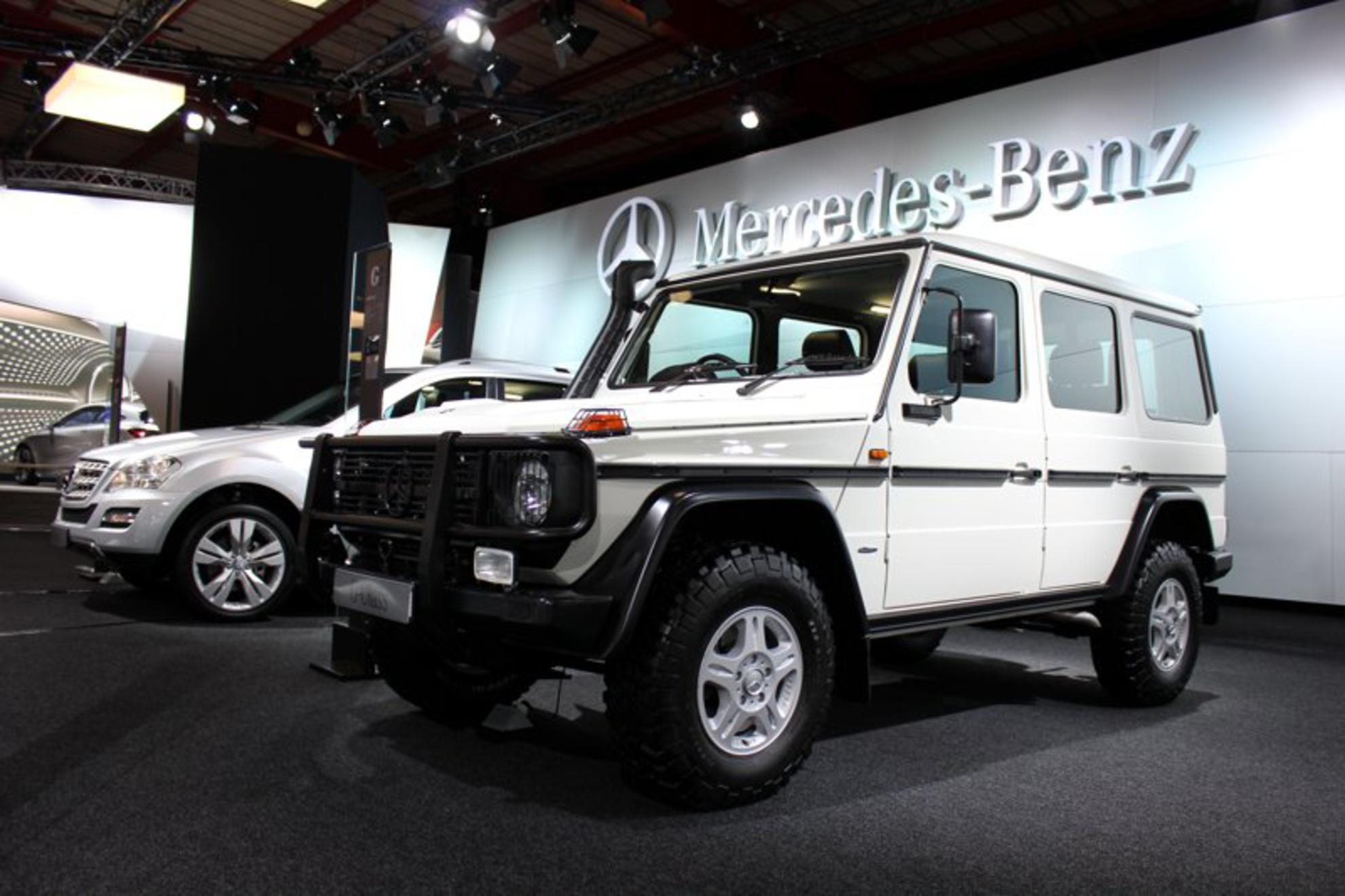 Images mercedes benz johannesburg motor show 2011 for Mercedes benz that looks like a jeep
