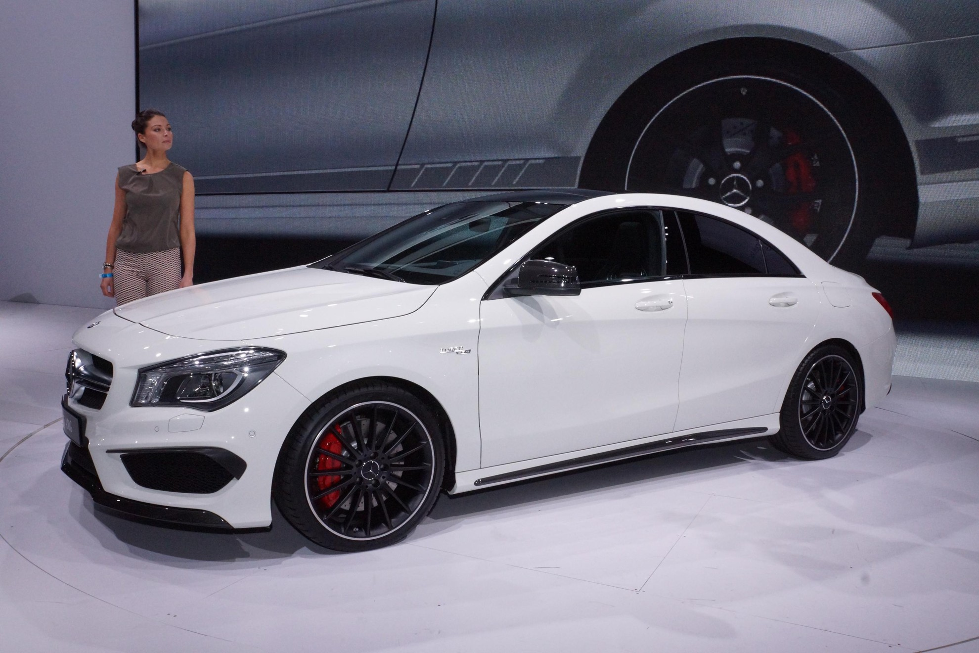 images mercedes benz cla 45 amg new york auto show 2013. Black Bedroom Furniture Sets. Home Design Ideas