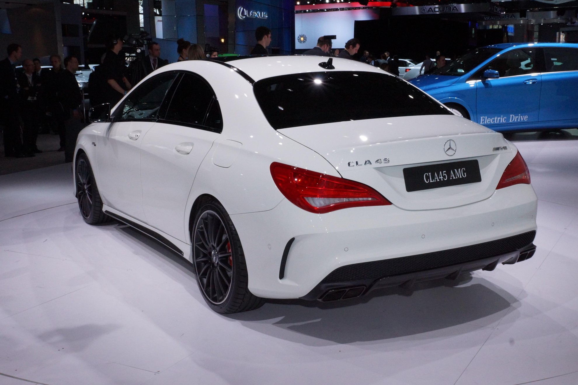 Images: Mercedes-Benz CLA 45 AMG New York Auto Show 2013