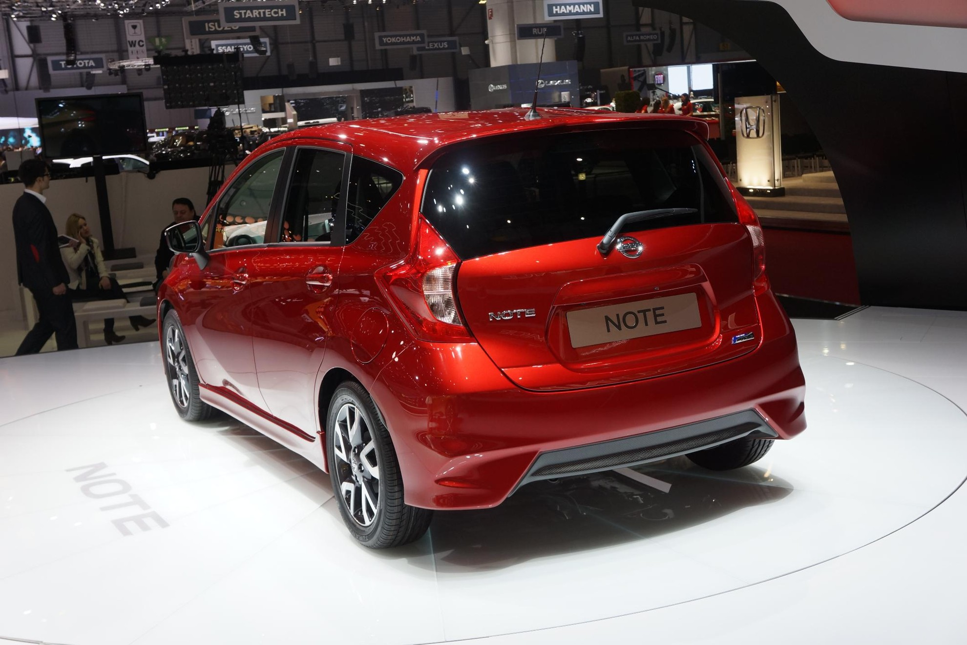 nissan note 2013 geneva motor show 3d car shows. Black Bedroom Furniture Sets. Home Design Ideas