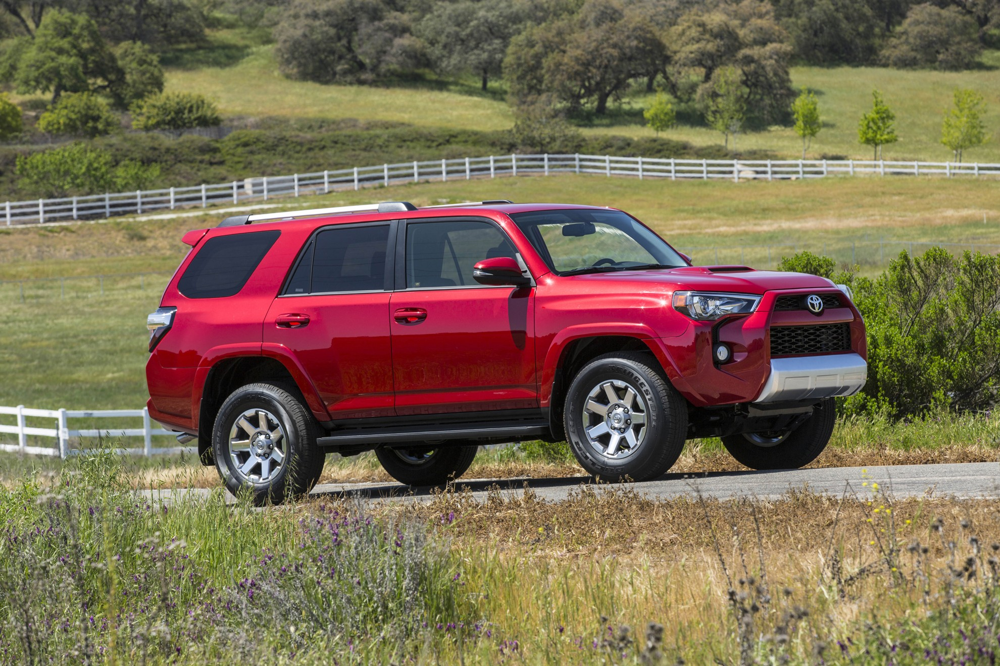 Toyota 4Runner Balances Full Off Road Capability With Smooth Around Town  Handling