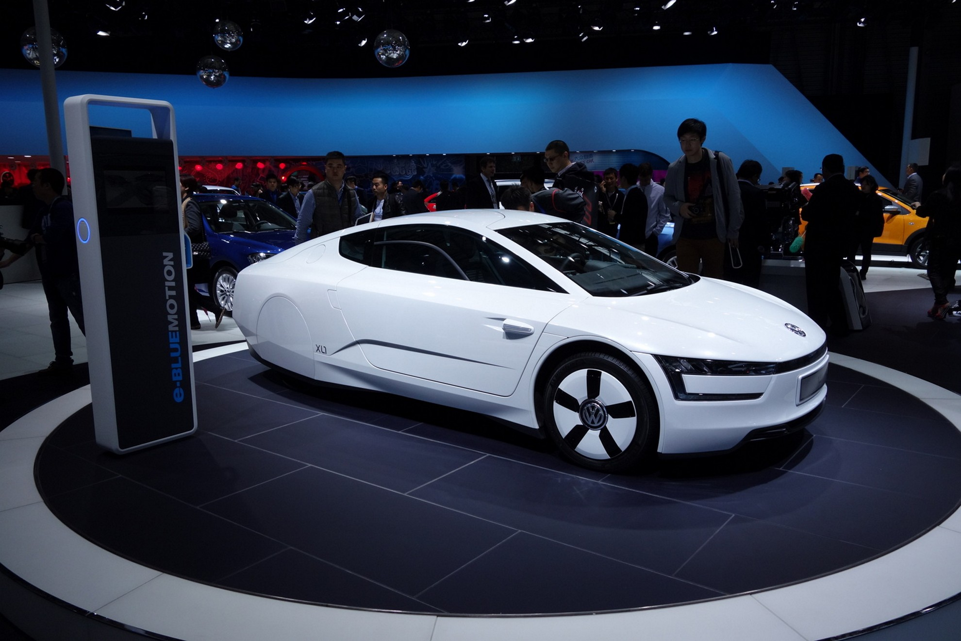 3d car shows images volkswagen at the shanghai auto for Concept expo