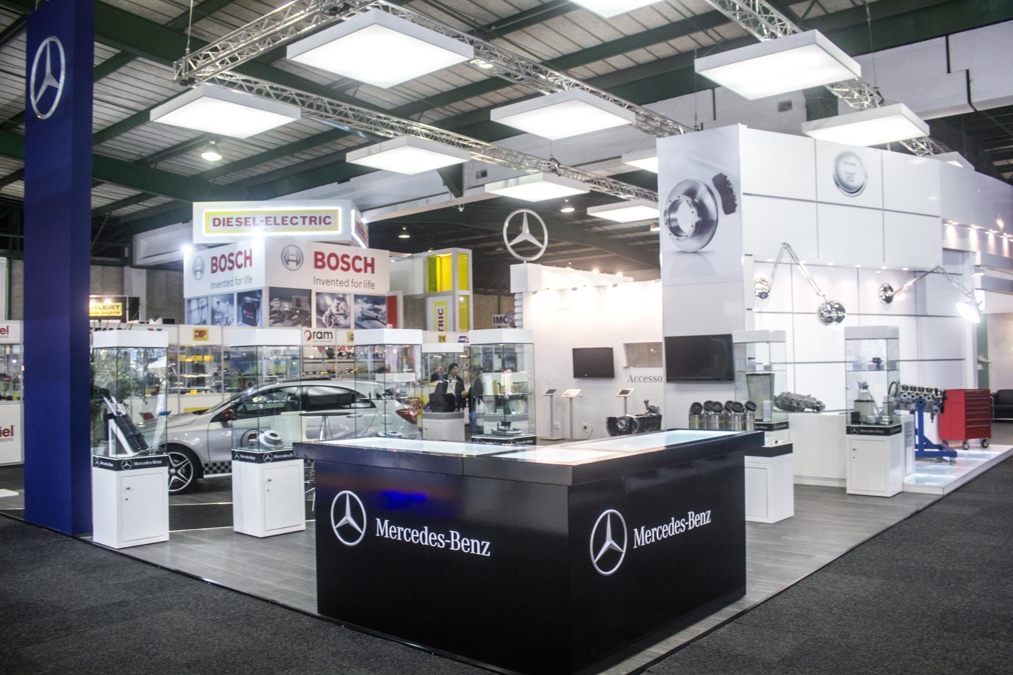 Mercedes-Benz-Automechanika-2013-18
