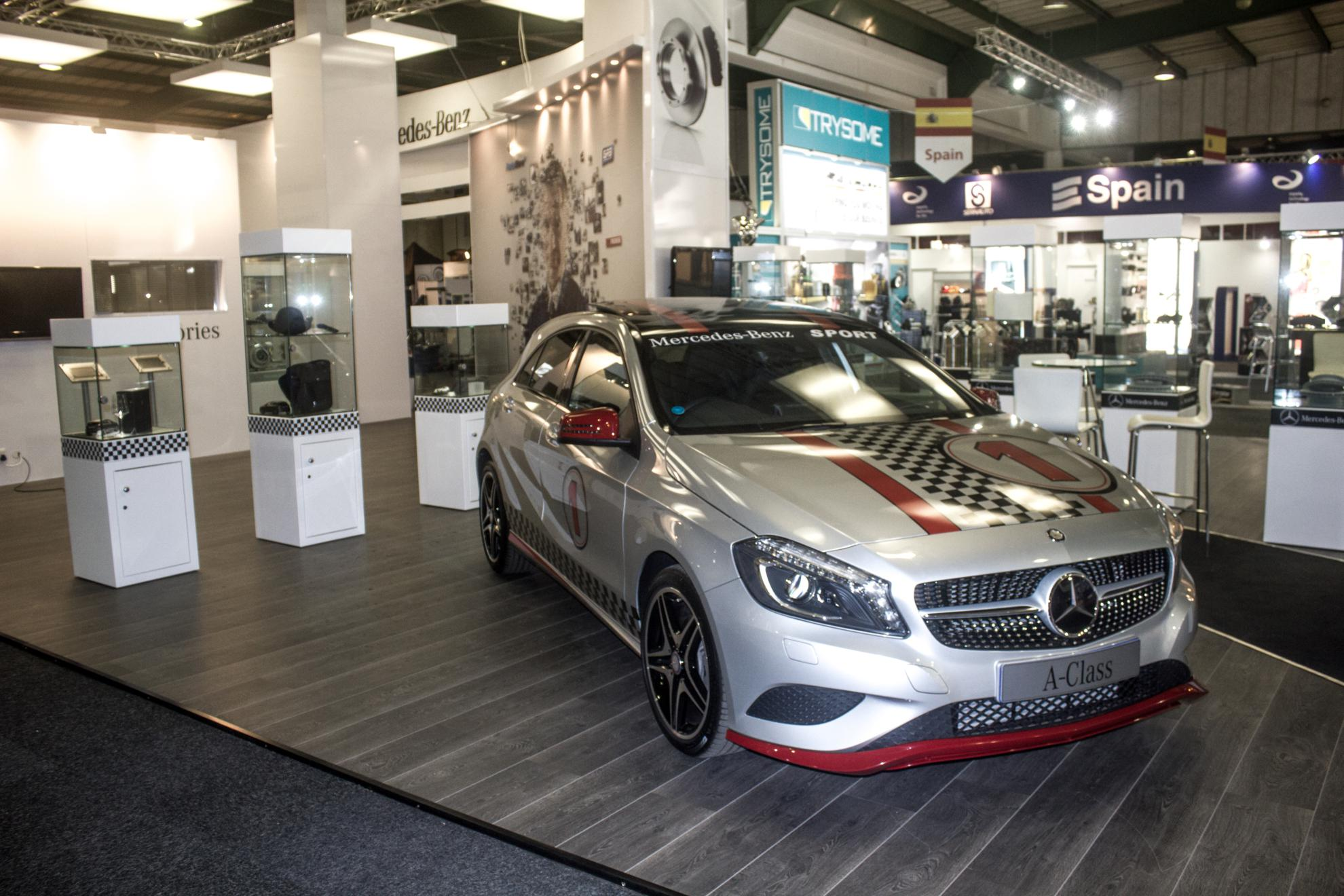 Mercedes-Benz-Automechanika-2013-21