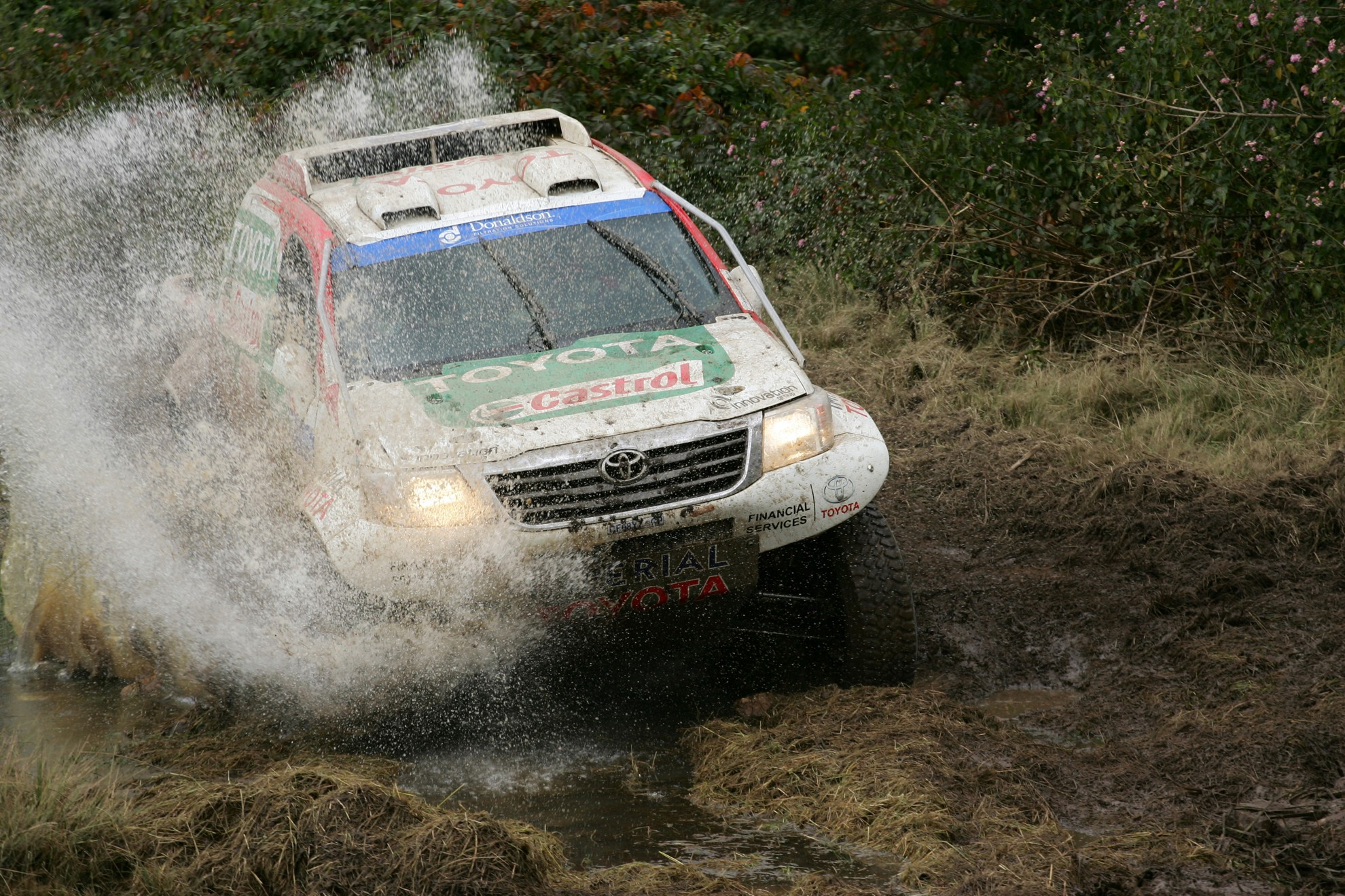 Toyota Hilux Racing