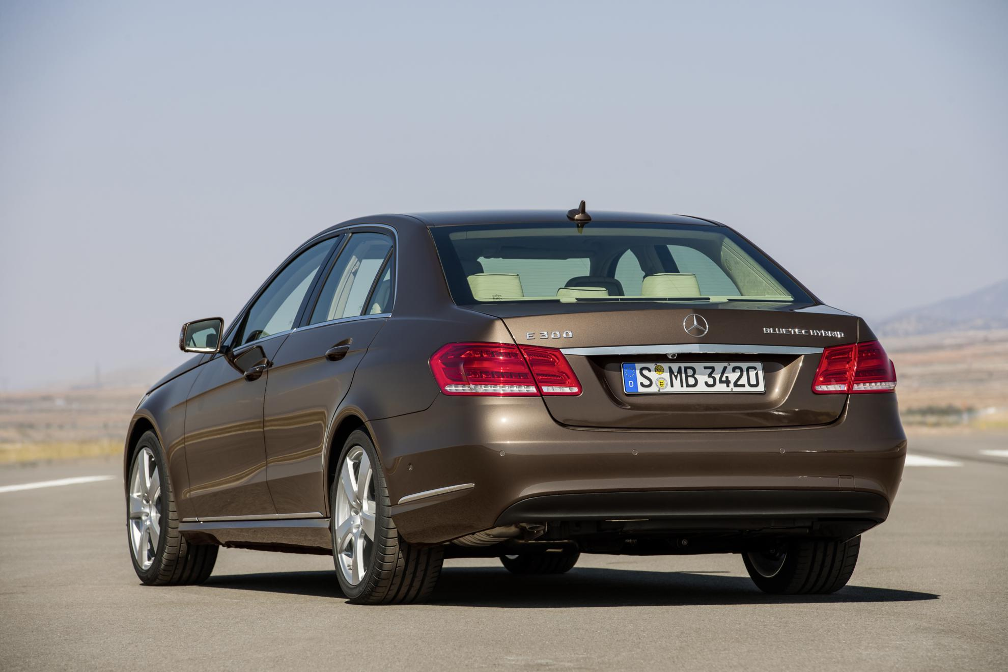 images of the new mercedes benz e class hybrid. Black Bedroom Furniture Sets. Home Design Ideas