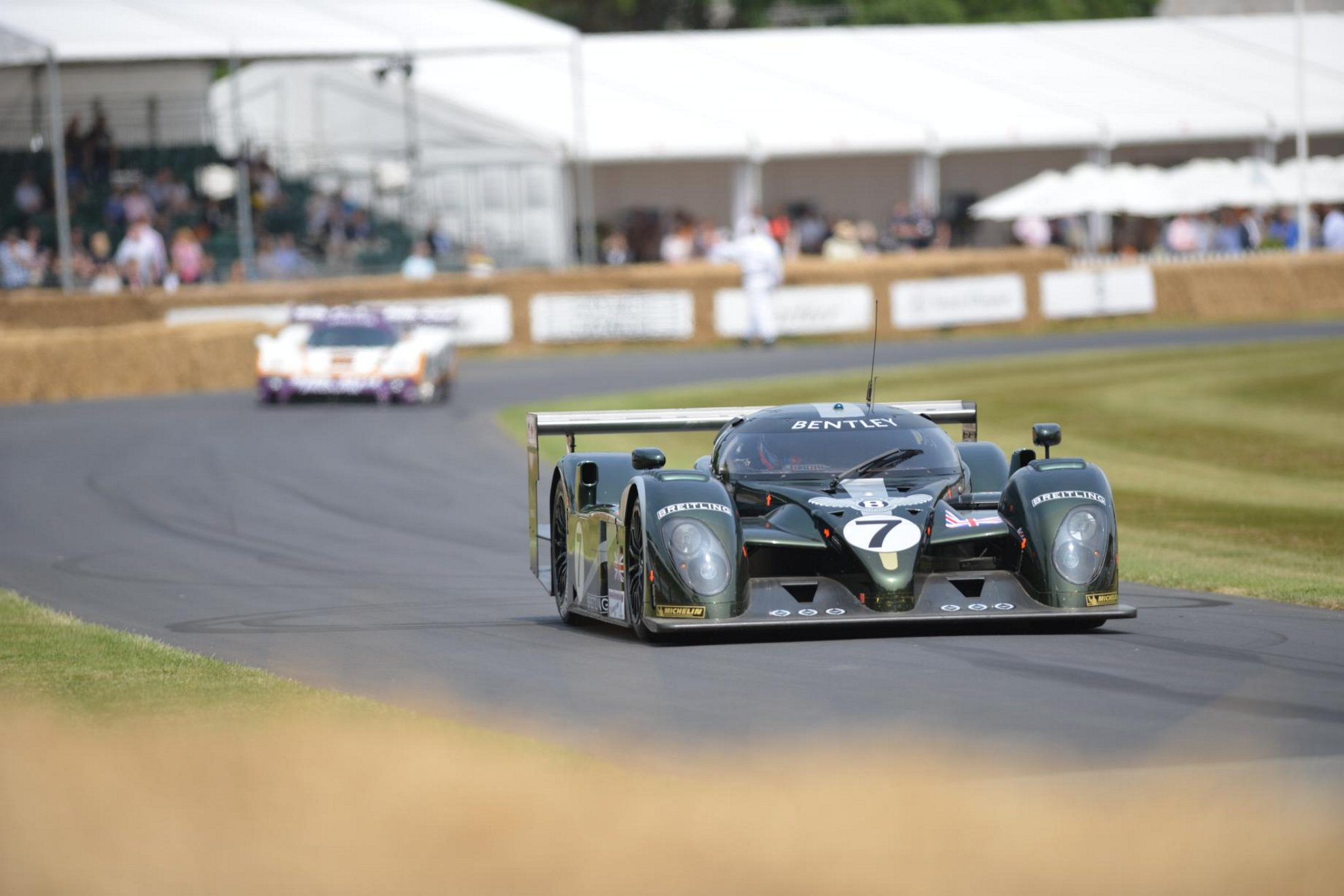 Bentley_Speed_8_Racing