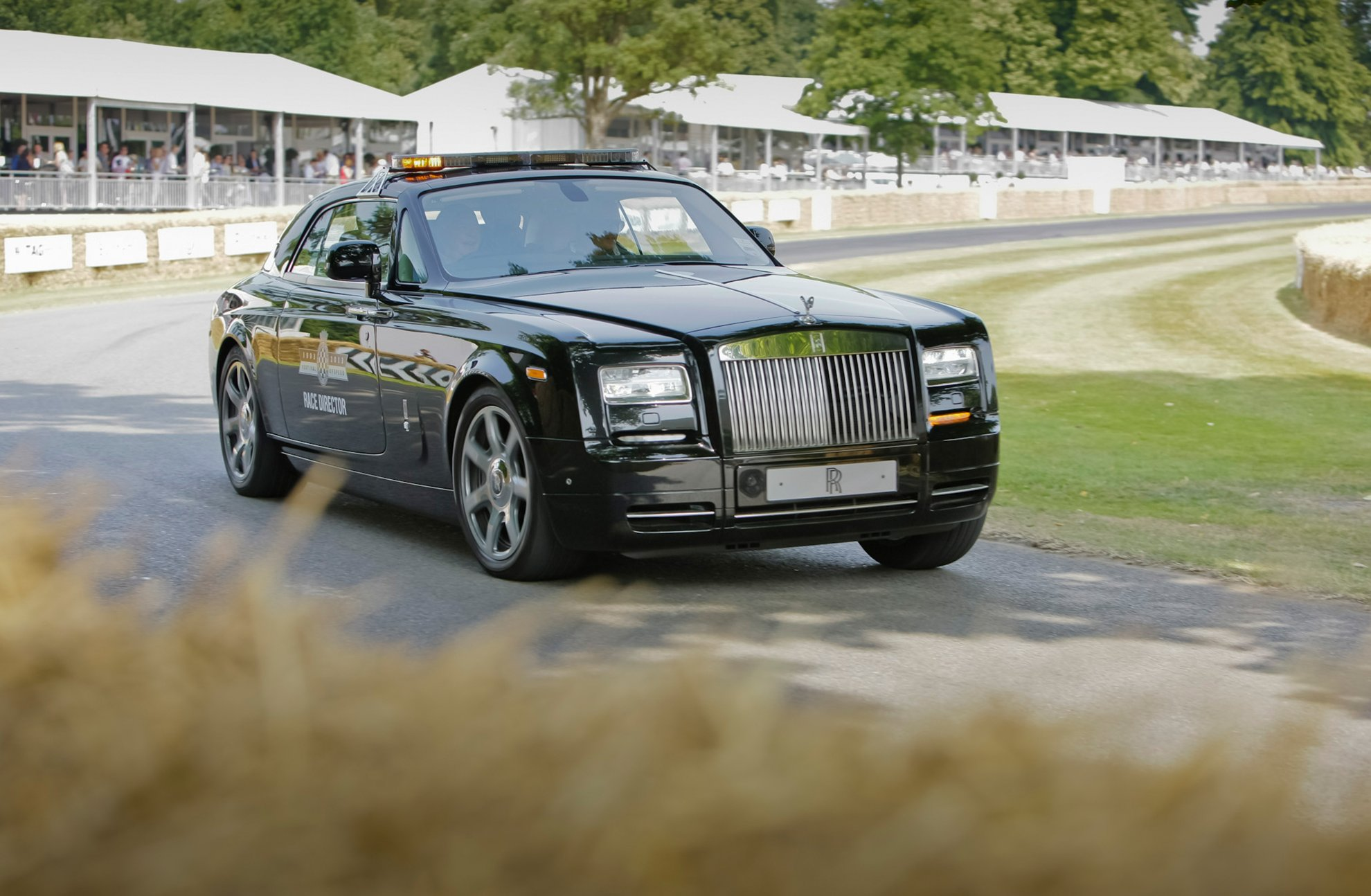 Black-Rolls-Royce-Goodwood
