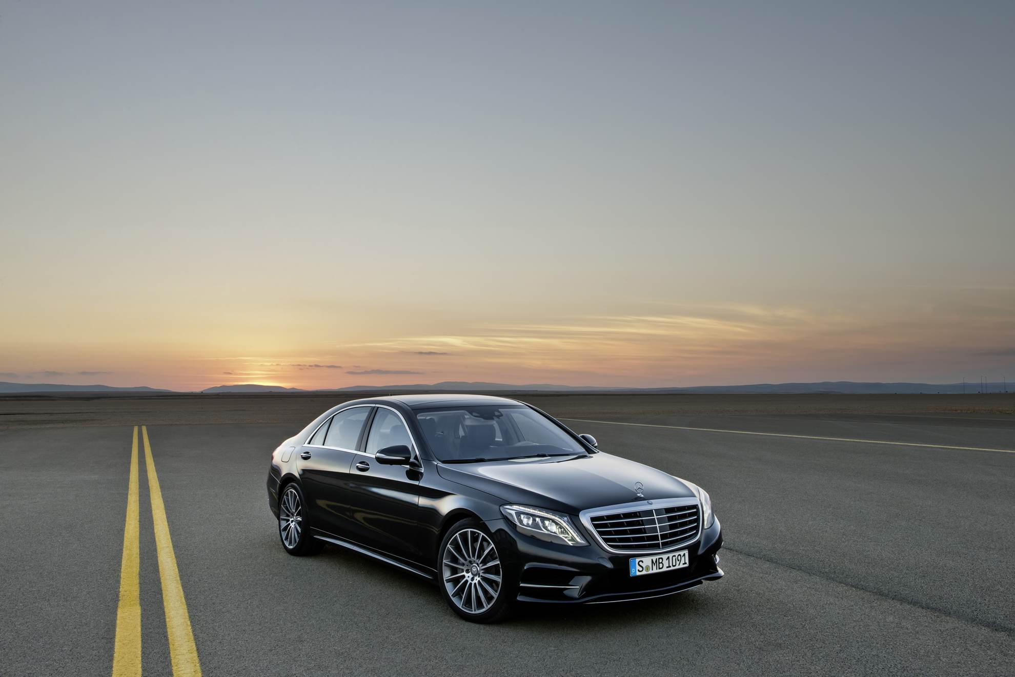 The new mercedes benz s class at uk car dealerships for Mercedes benz car dealership