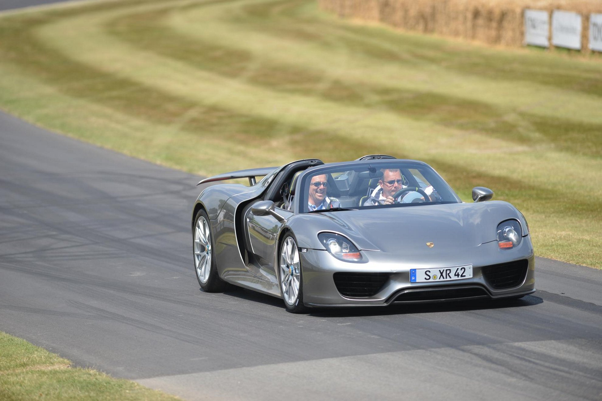 goodwood festival of speed porsche 918 spyder. Black Bedroom Furniture Sets. Home Design Ideas