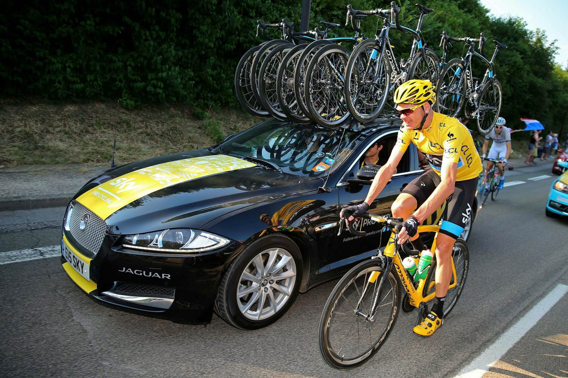 tour de france winner chris froome and jaguar. Black Bedroom Furniture Sets. Home Design Ideas