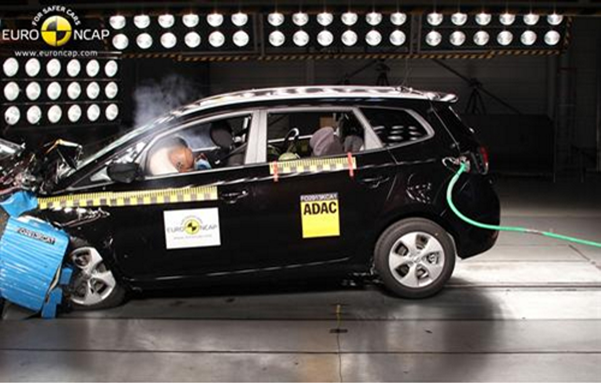 KIA CARENS Wins NCAP Safety Rating