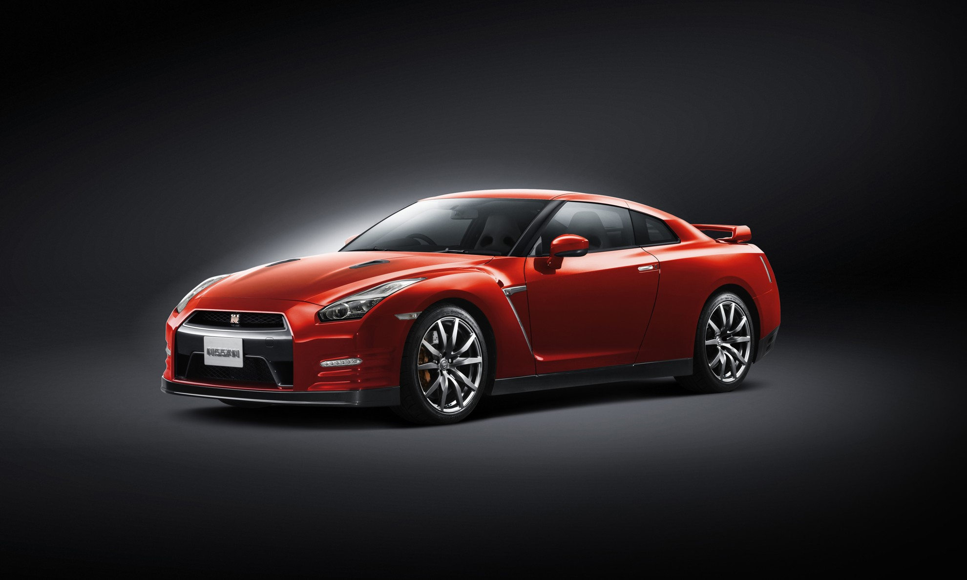 2014 Nissan GT-R Red