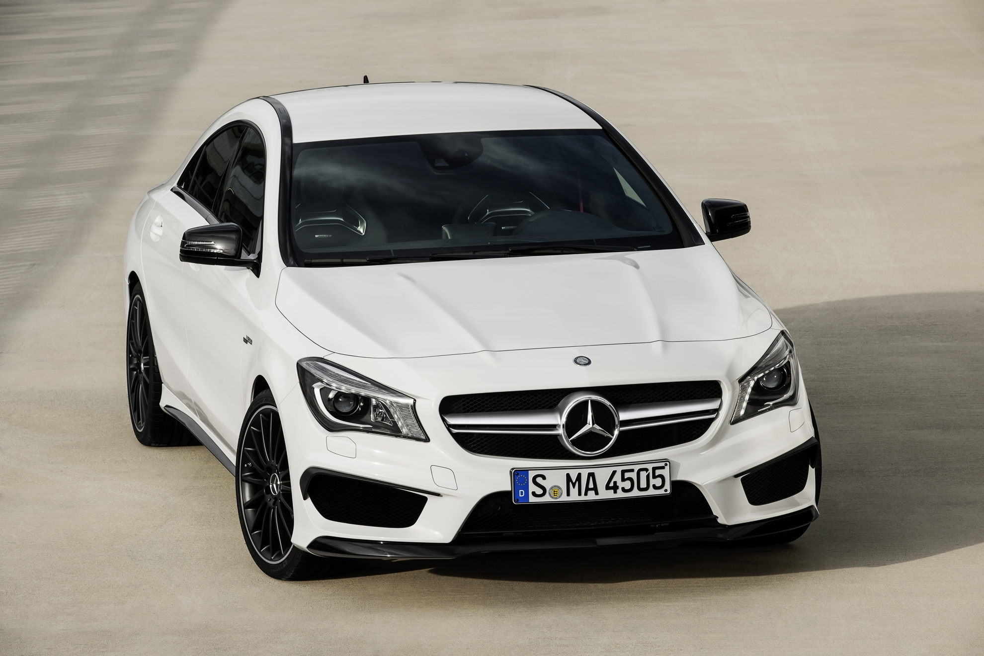 Mercedes-Benz CLA driving assistance