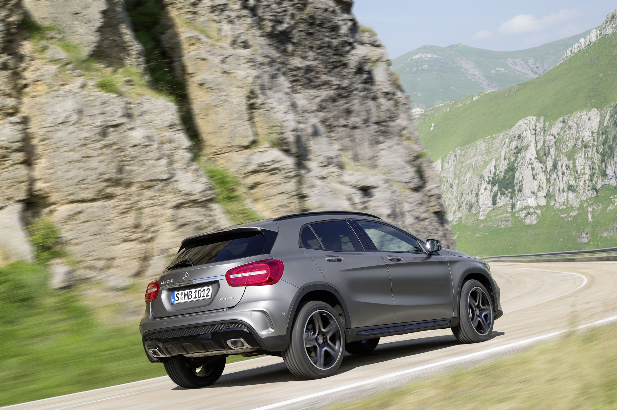 Mercedes benz gla south africa for Mercedes benz south africa