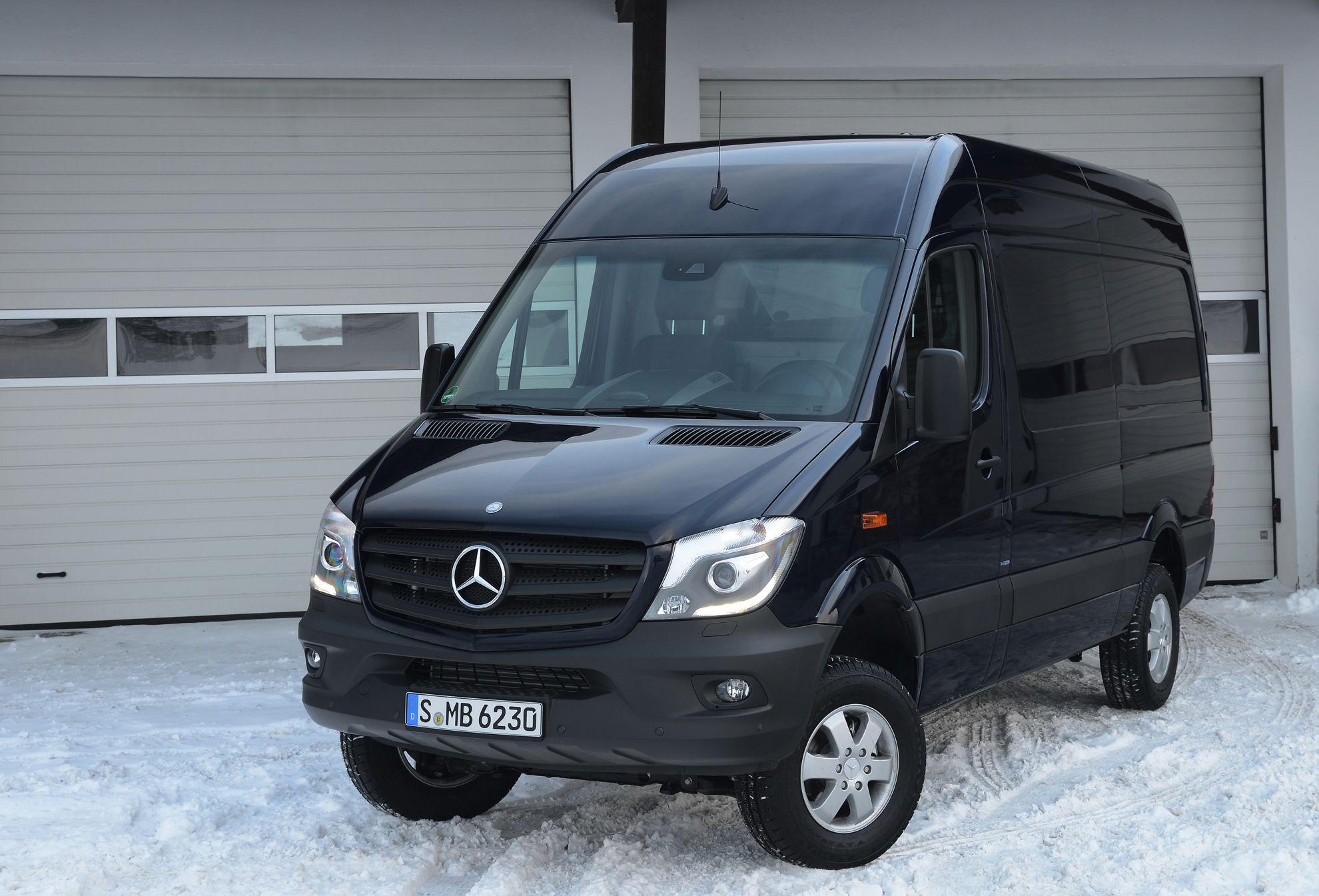 3d Car Shows Mercedes Benz Sprinter 4 215 4
