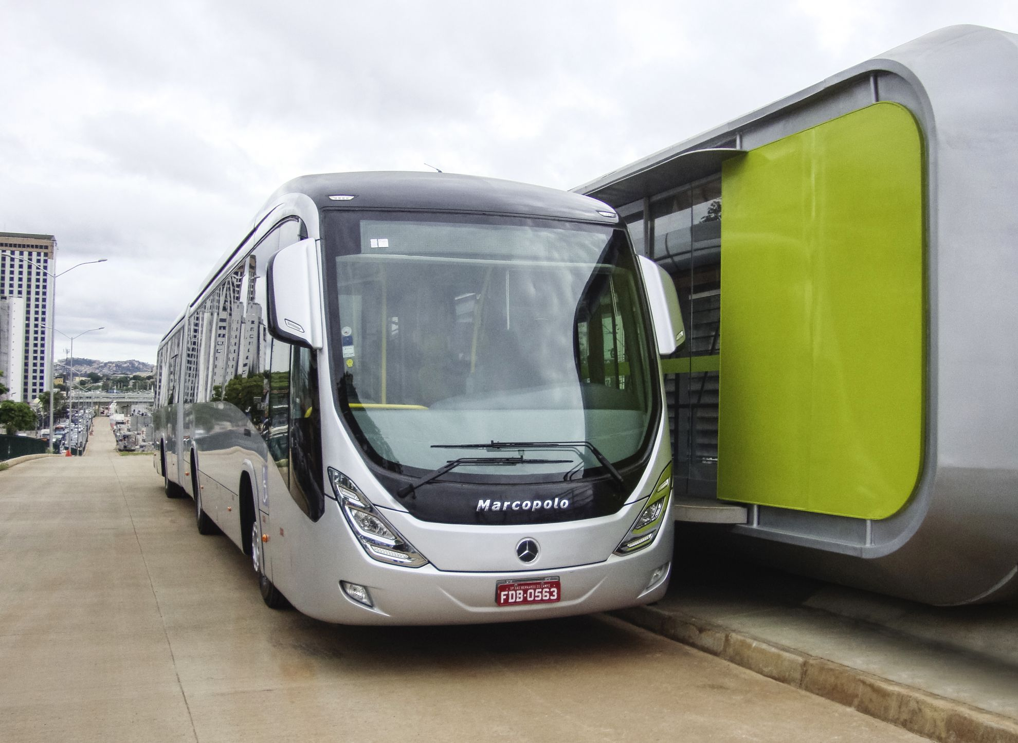 Image gallery 2013 mercedes benz bus for Mercedes benz busses