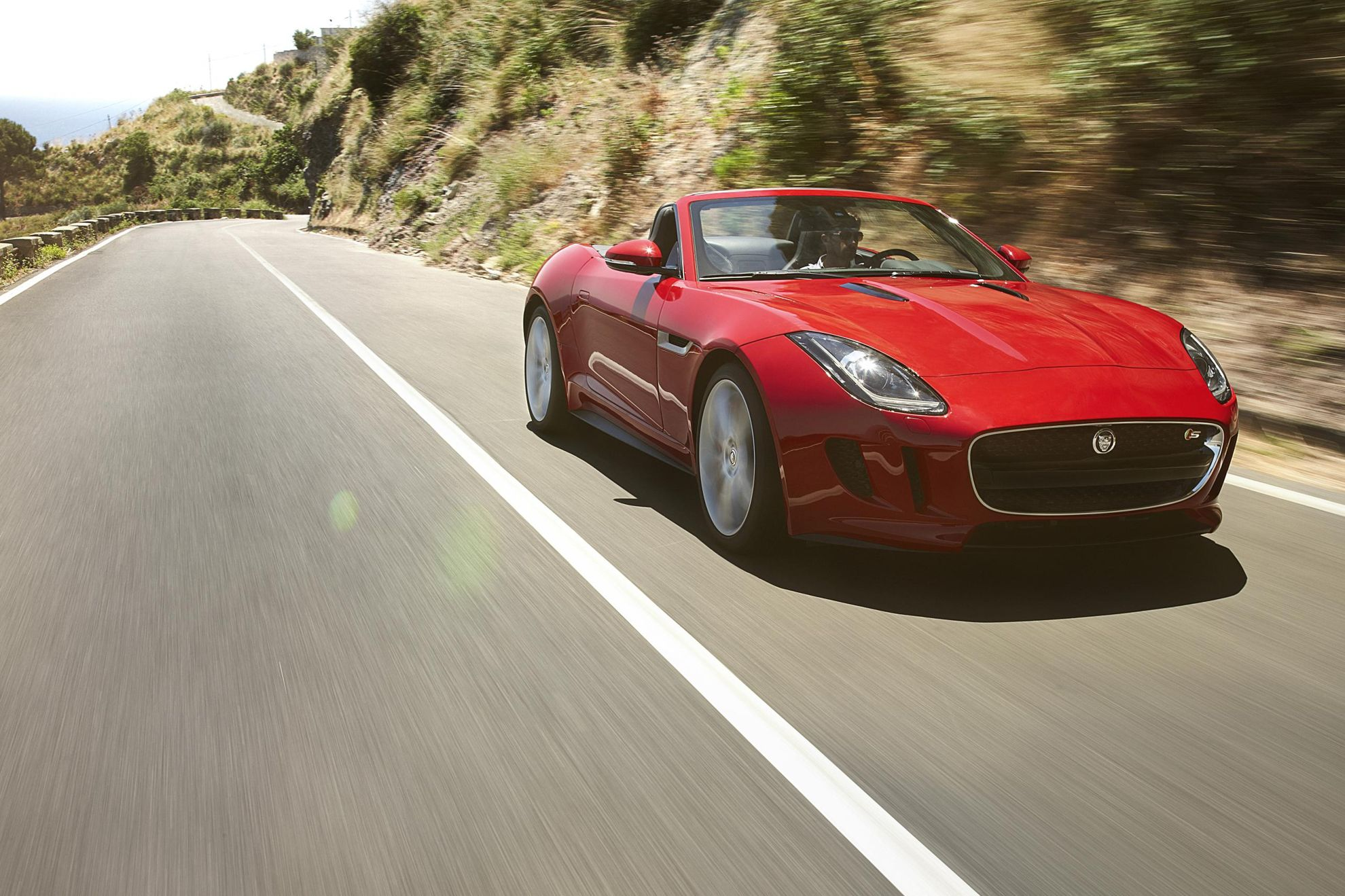 JAGUAR F TYPE COLLECTS BBC TOPGEAR MAGAZINE U0027CONVERTIBLE OF THE YEARu0027 AWARD  AS 2013 HONOURS CONTINUE