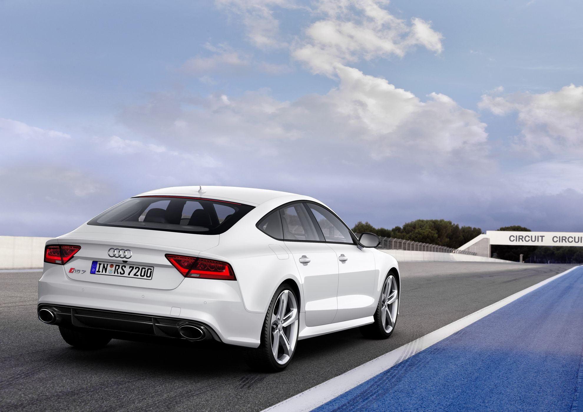 audi south africa extends its rs range with two new models. Black Bedroom Furniture Sets. Home Design Ideas