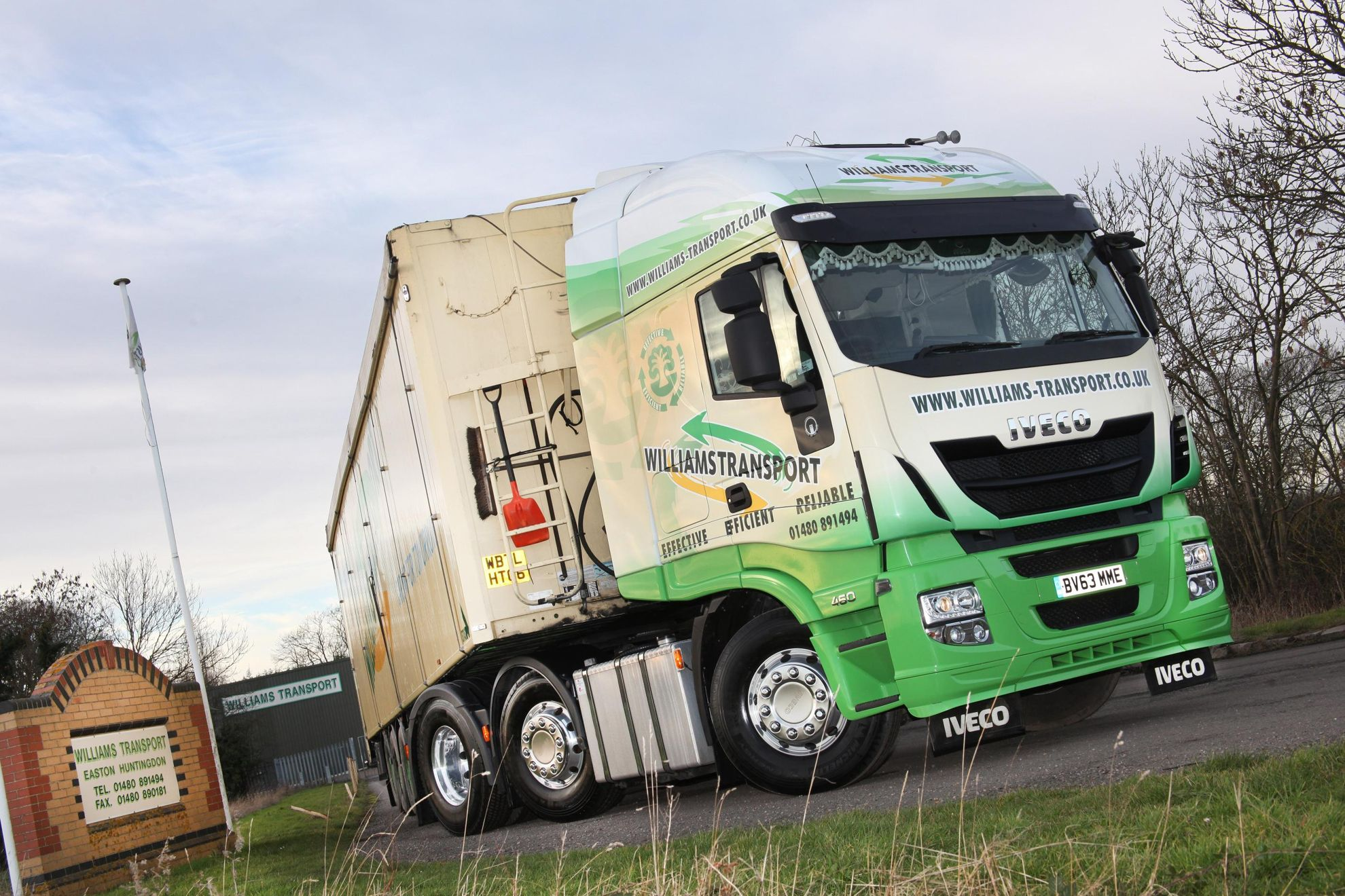 Iveco Stralis Hi Way Trucks Impress At The Pumps